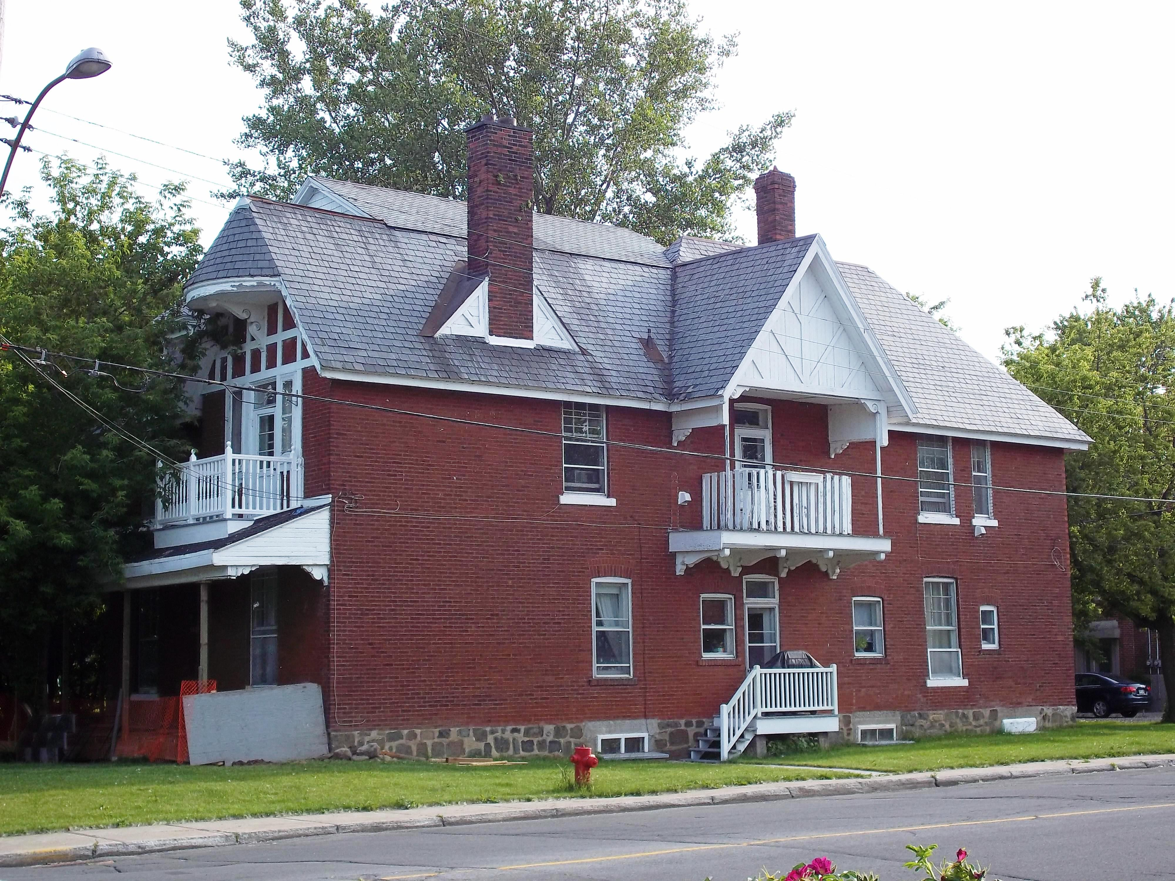 Maison De La Salle fichier:maison penniston 7525 boul lasalle — wikipédia