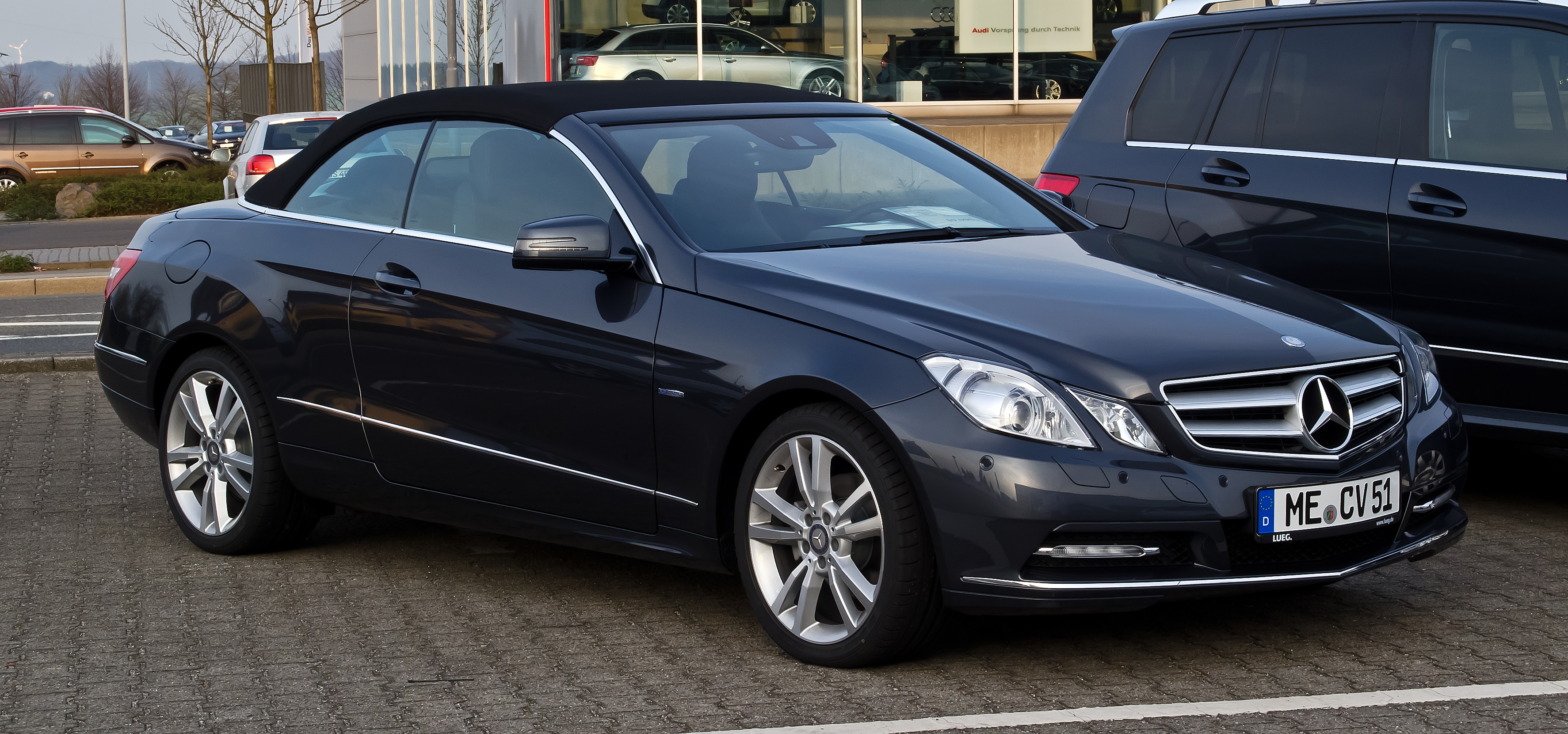 file mercedes benz e 200 blueefficiency cabriolet a 207 frontansicht 1 6 april 2012. Black Bedroom Furniture Sets. Home Design Ideas