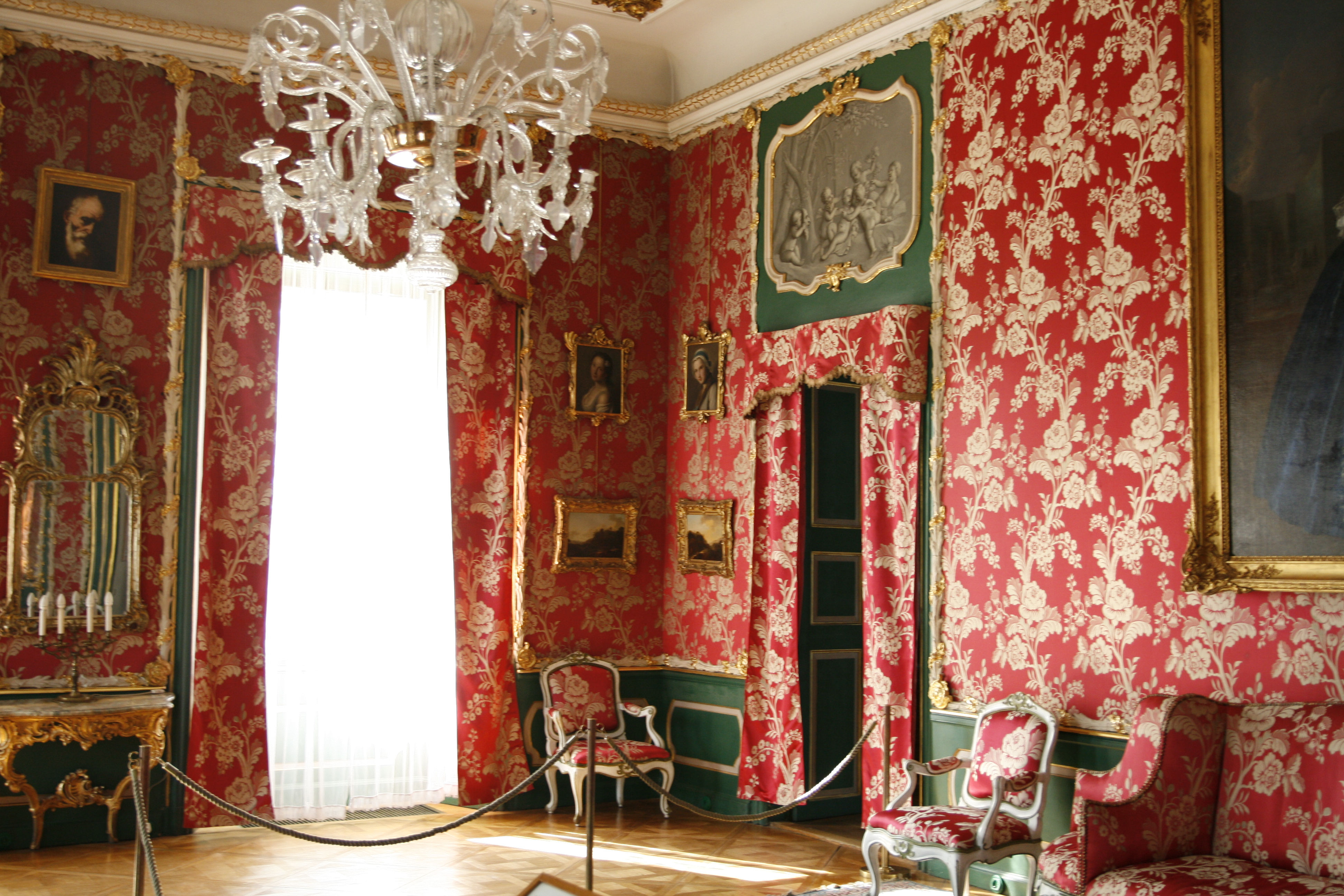 FloorplanDetails besides Watch further 41 additionally 16785 likewise Palace Room. on living room bathroom