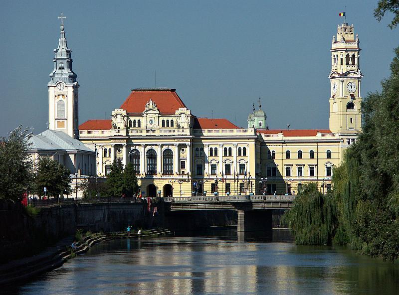 http://upload.wikimedia.org/wikipedia/commons/d/d3/Oradea_City_Hall.jpg