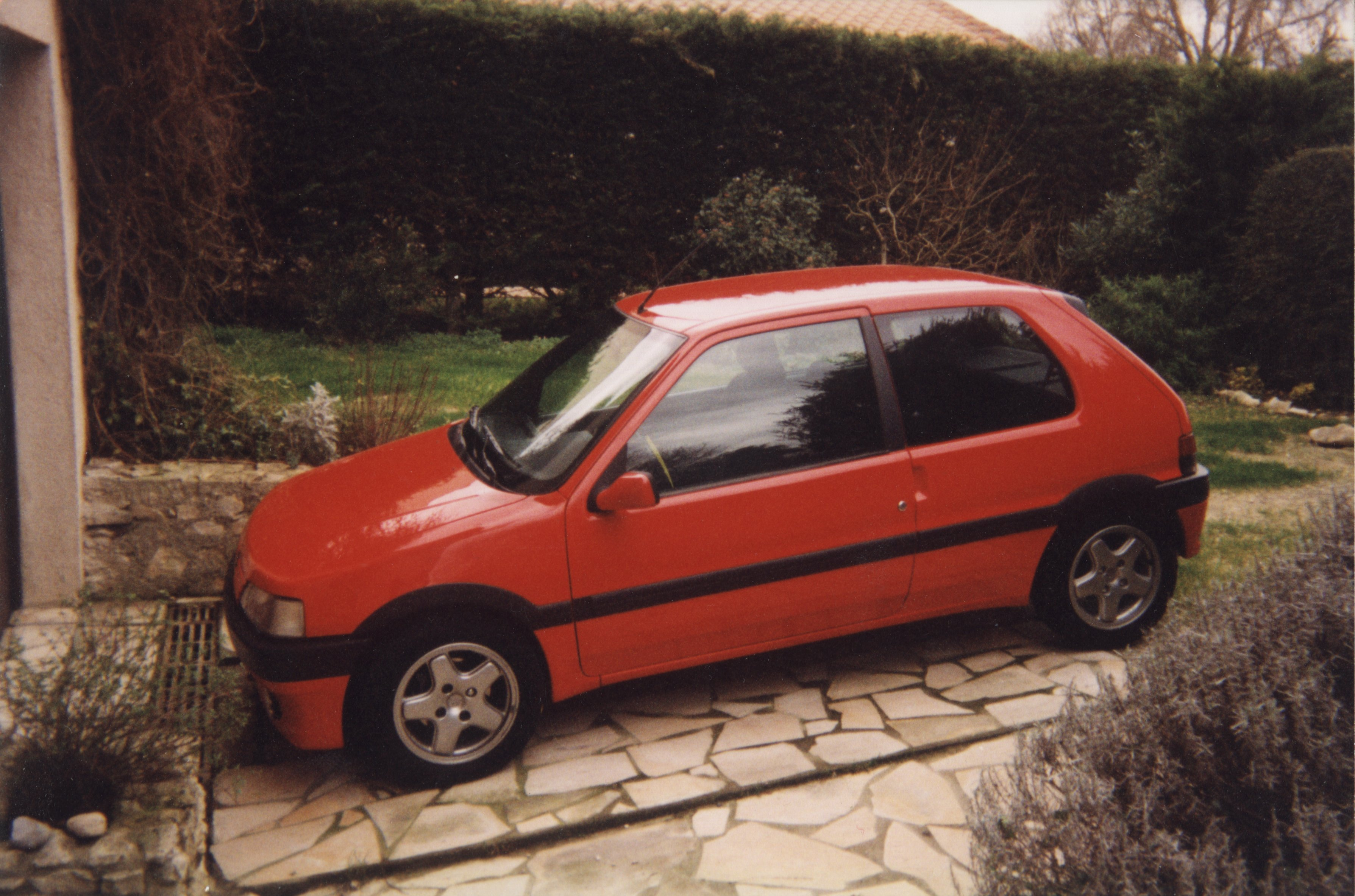 File peugeot 106 wikimedia commons for Interieur 106 xsi