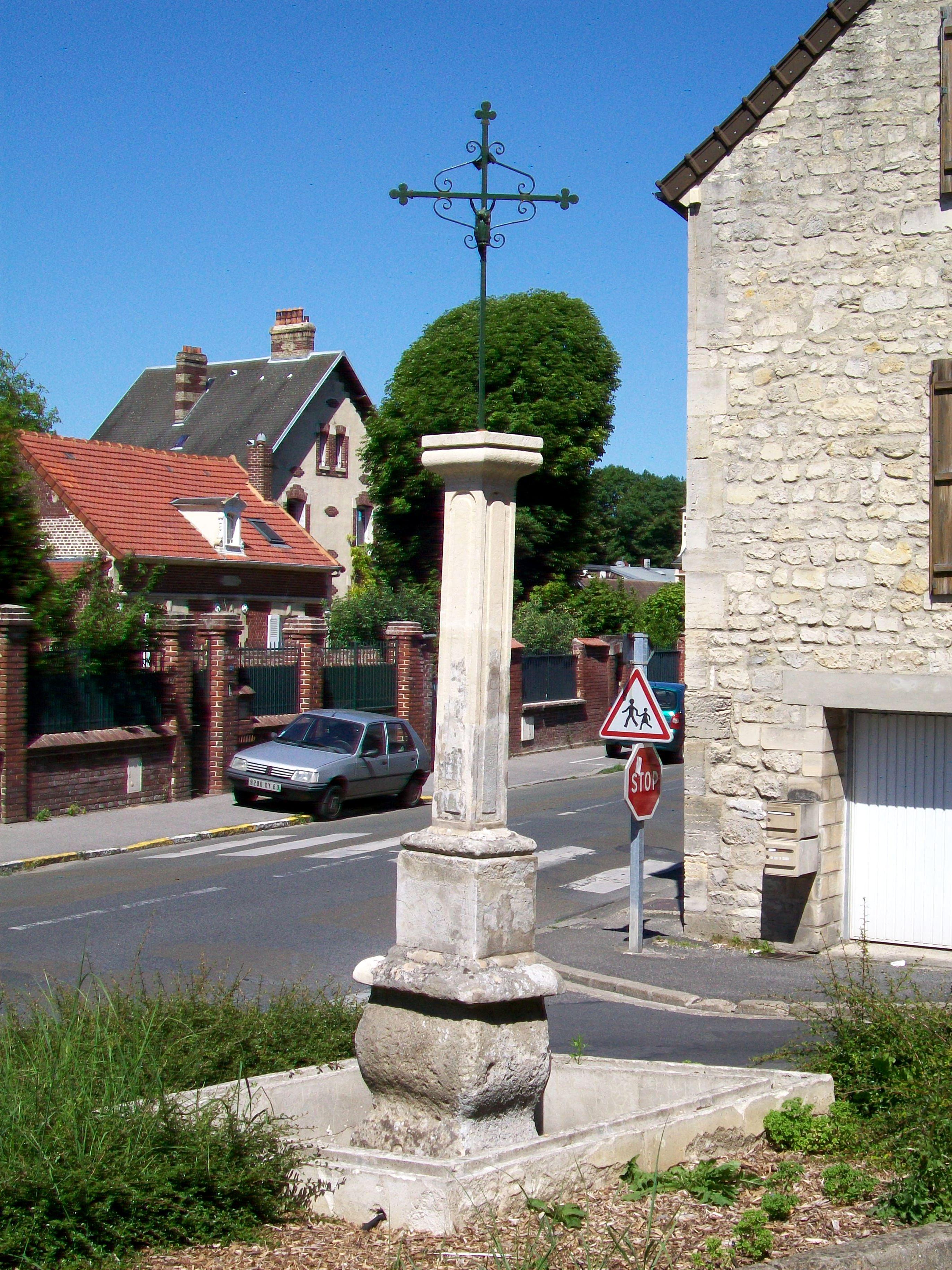 fichier pont sainte maxence 60 croix pierre aucher rue louis wikip dia. Black Bedroom Furniture Sets. Home Design Ideas