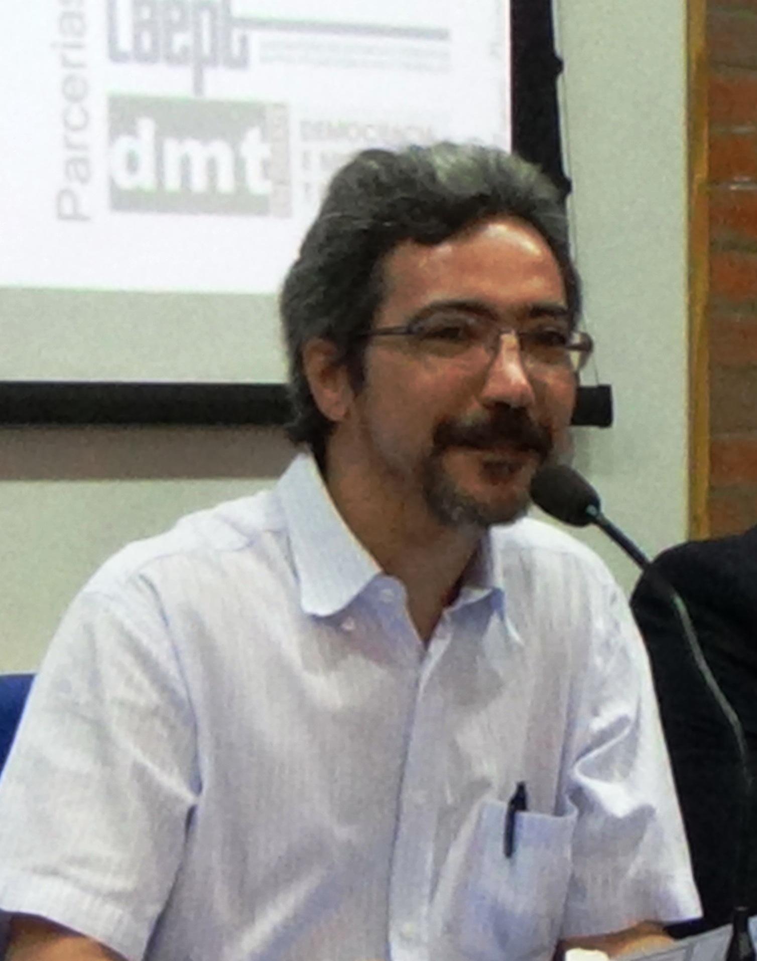 Resultado de imagem para Roberto Véras de Oliveira
