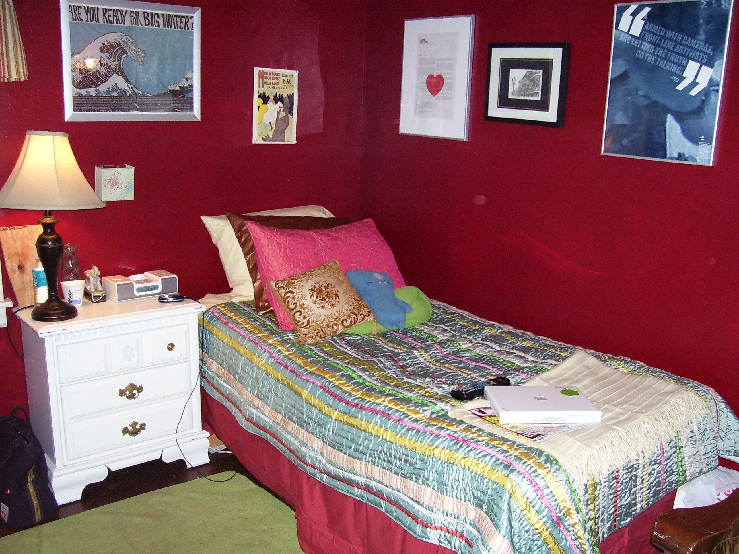 File red wikimedia commons for Bedroom ideas red