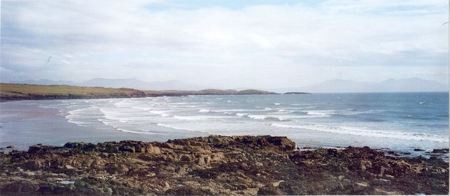 Rocky foreshore at Aberffraw Bay - geograph.org.uk - 334025