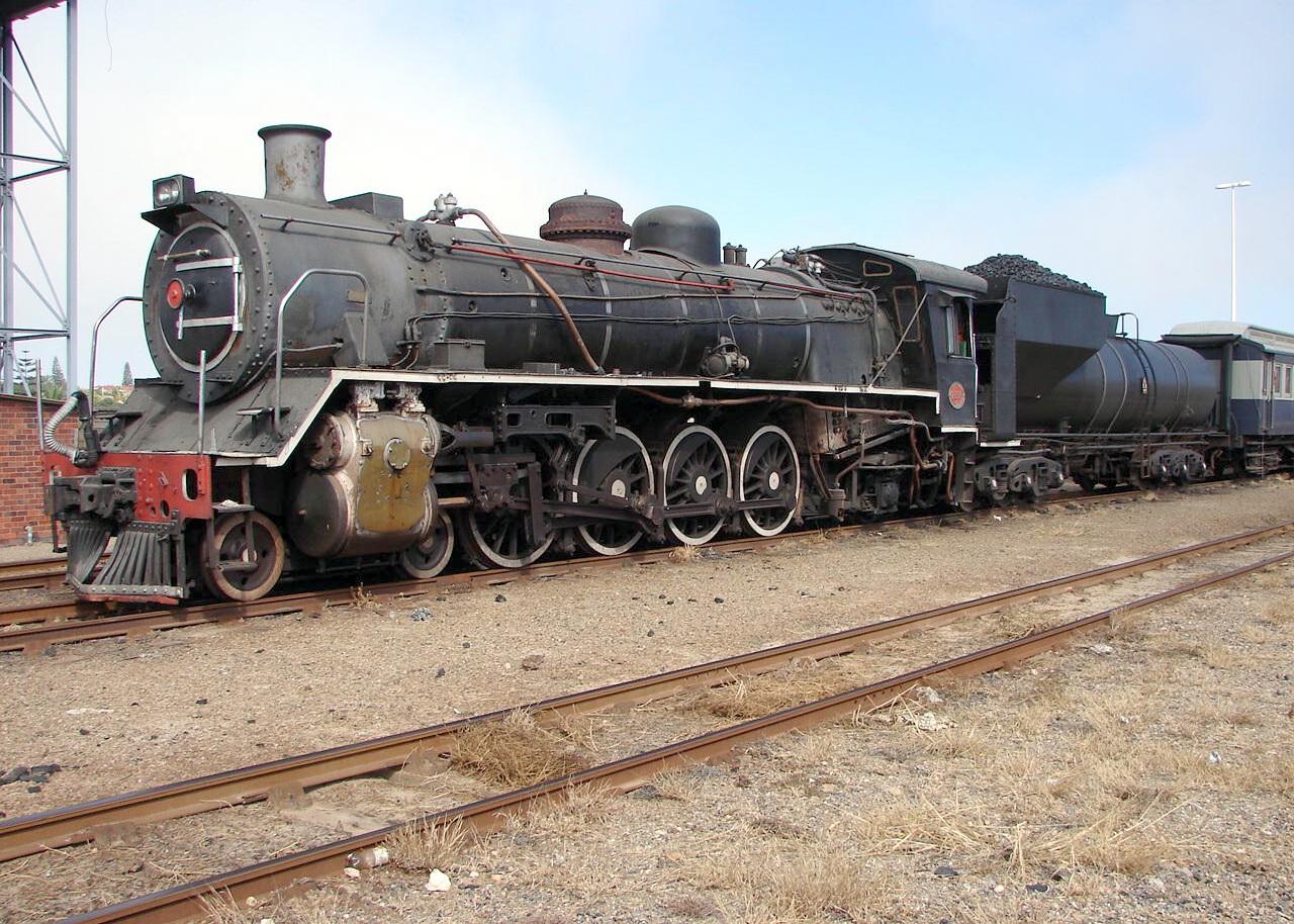 File:SAR Class 19D 2698 (4-8-2).JPG