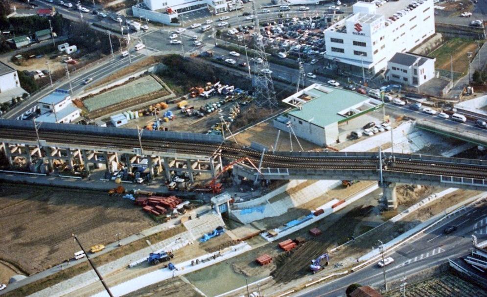 【鉄道土木構造物】橋脚の耐震補強を簡単に解説