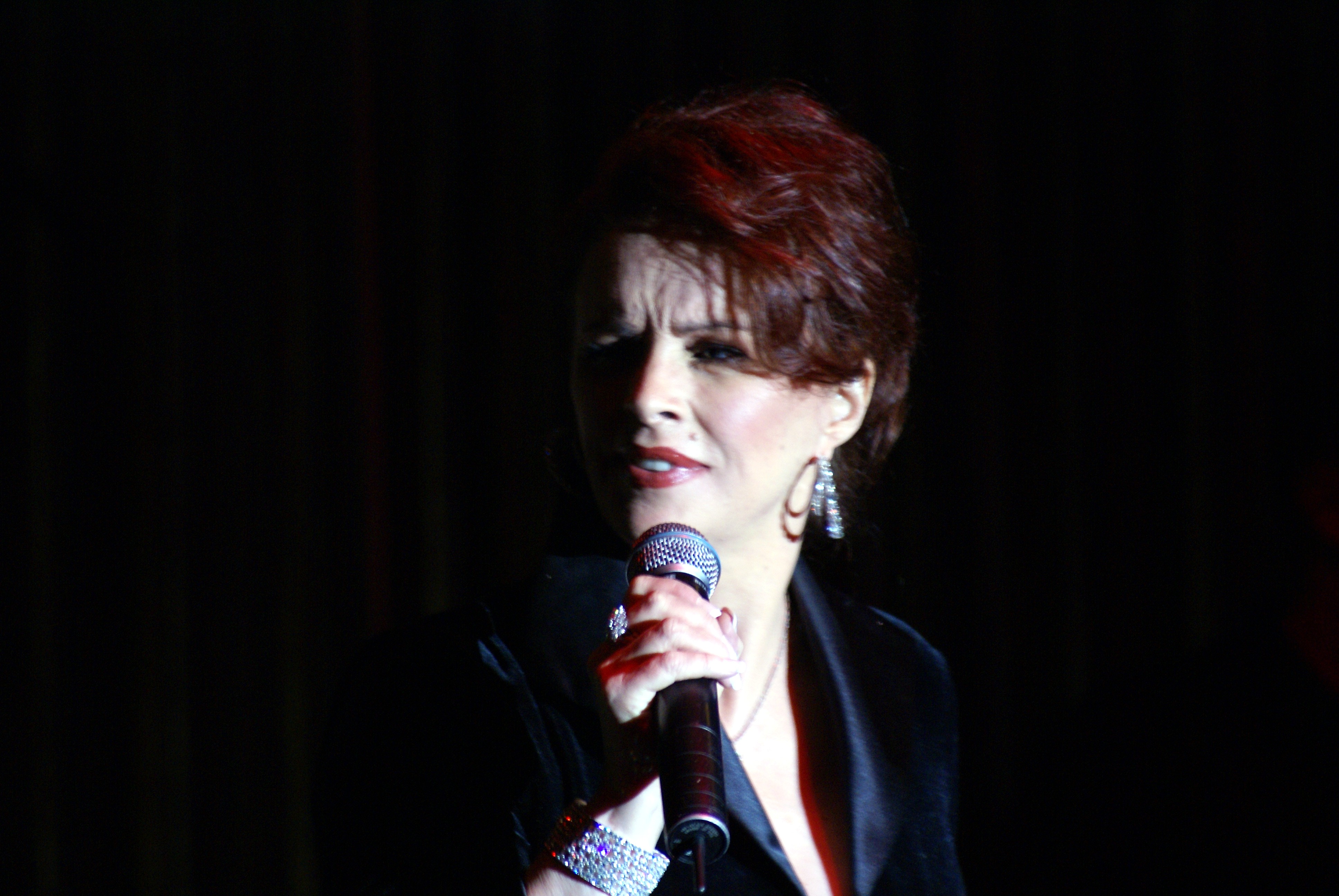 Sheena Easton (born 1959 (naturalized American citizen)