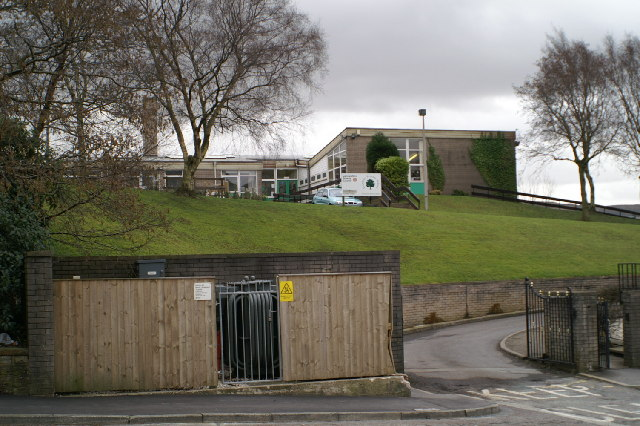 Stubbins Primary School, south of the A56 - geograph.org.uk - 122921