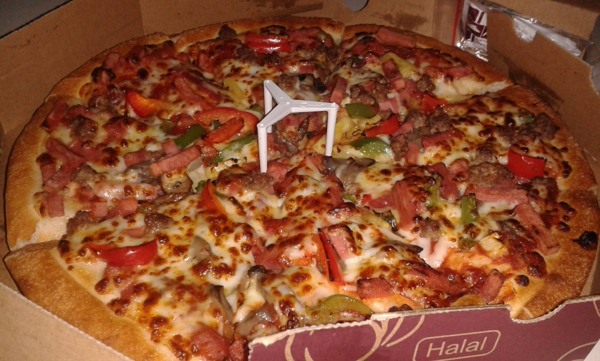 File super supreme pizza from pizza hut in for Oficinas de pizza hut
