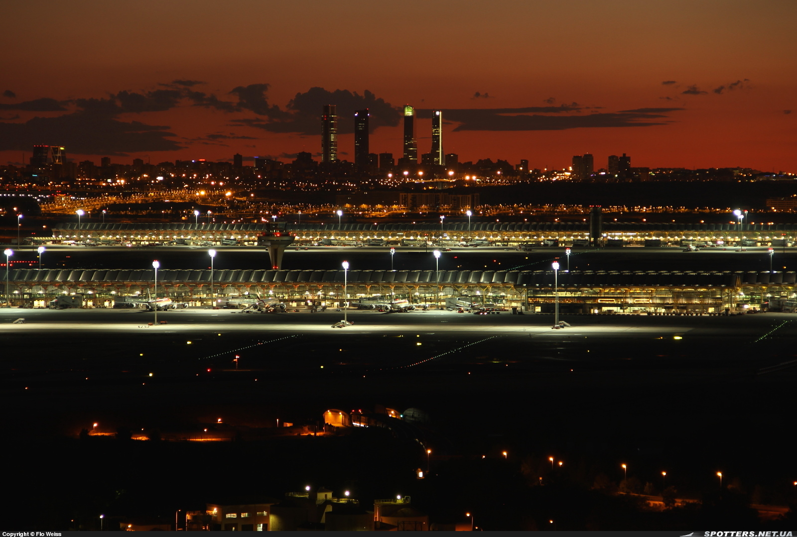 53f173c5796 File:Terminal T4 Adolfo Suárez Madrid-Barajas Airport.jpeg ...