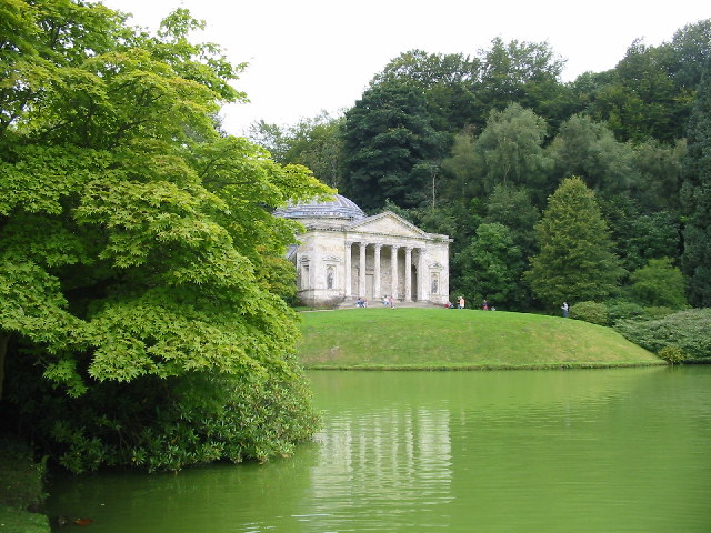 File The Pantheon Beside The Garden Lake Stourhead