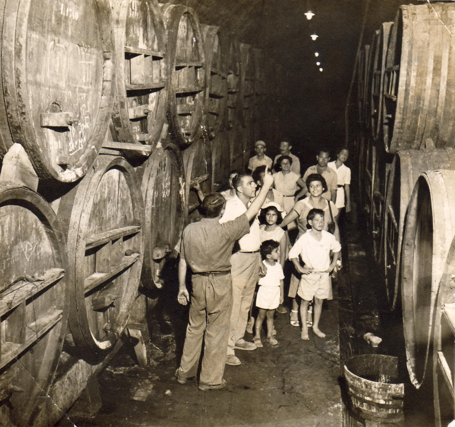 Zichron Yaakov Israel  city photo : Tour of Zichron Yaakov winery Israel 1945 Wikipedia ...