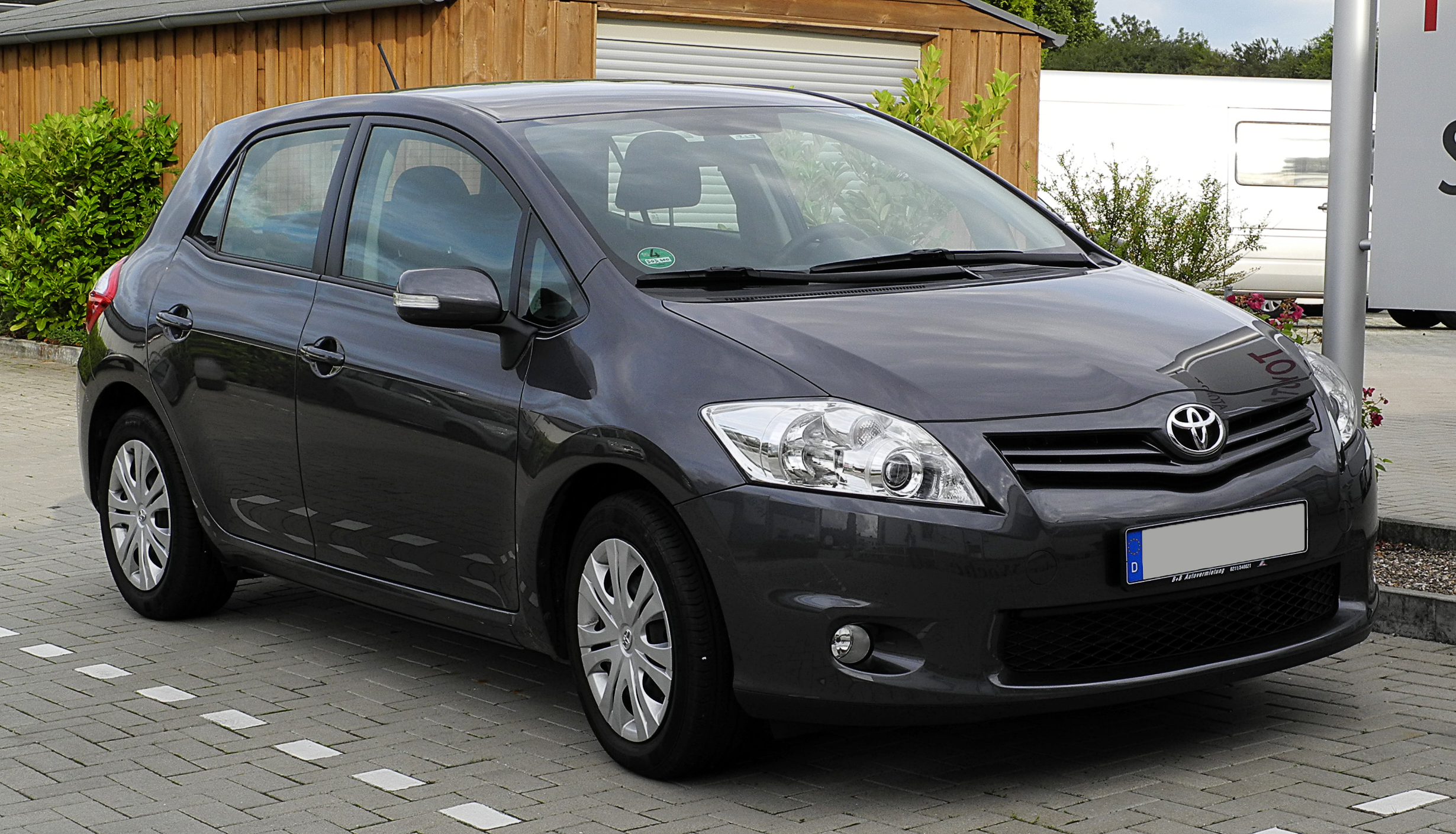 file toyota auris facelift frontansicht 21 juni 2011 wikimedia commons. Black Bedroom Furniture Sets. Home Design Ideas