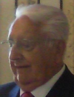 https://upload.wikimedia.org/wikipedia/commons/d/d3/Victor_Moro.jpg