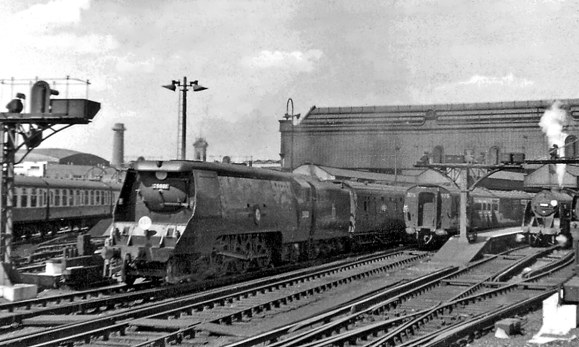 File Waterloo Station With The Pioneer Bulleid Merchant