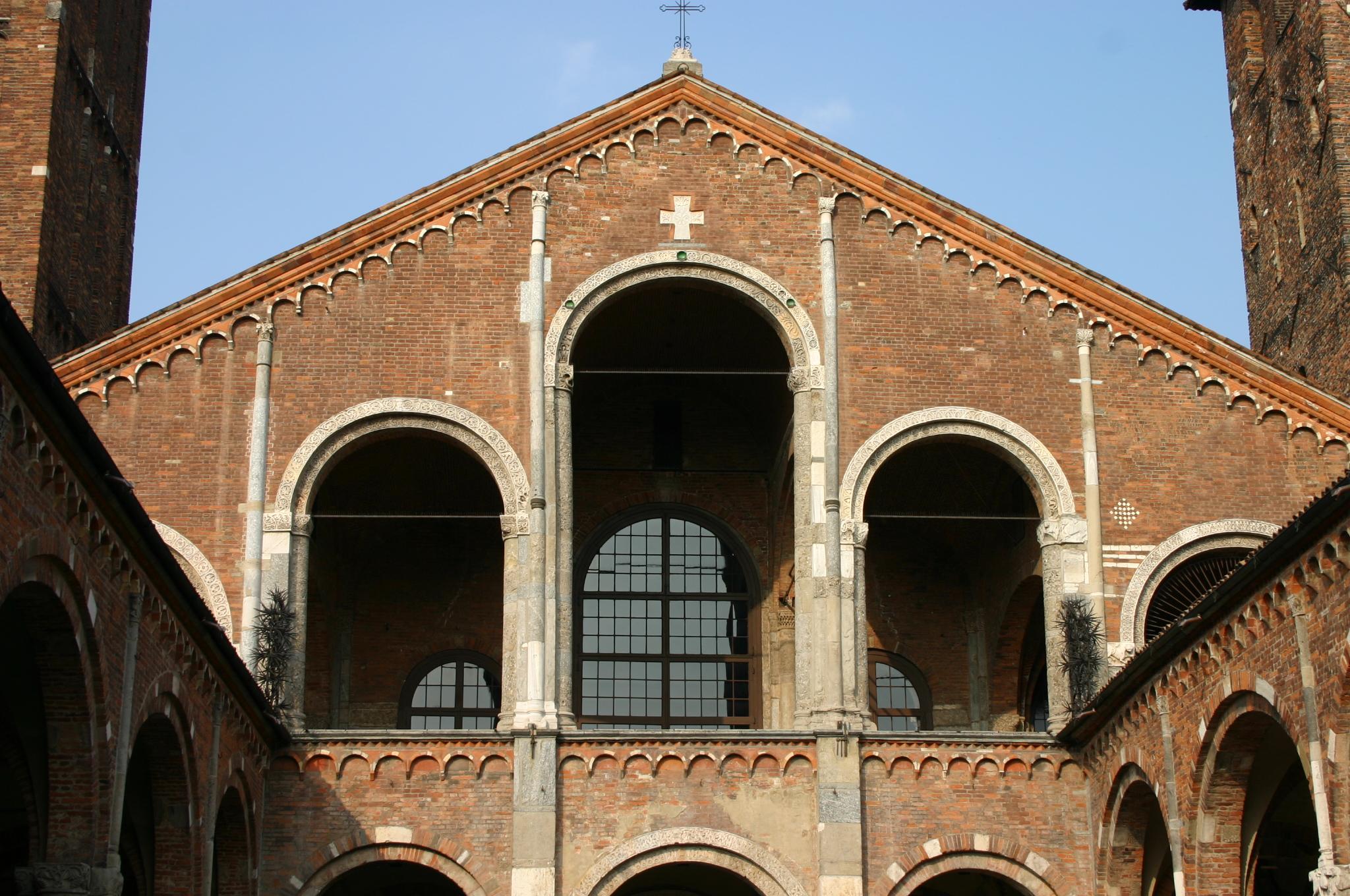 Description 0041 - Milano - SantAmbrogio - Facciata - Foto Giovanni ...