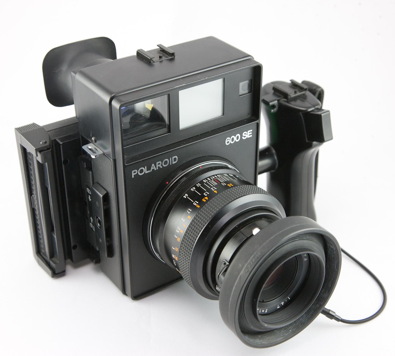 polaroid 600 how to turn on