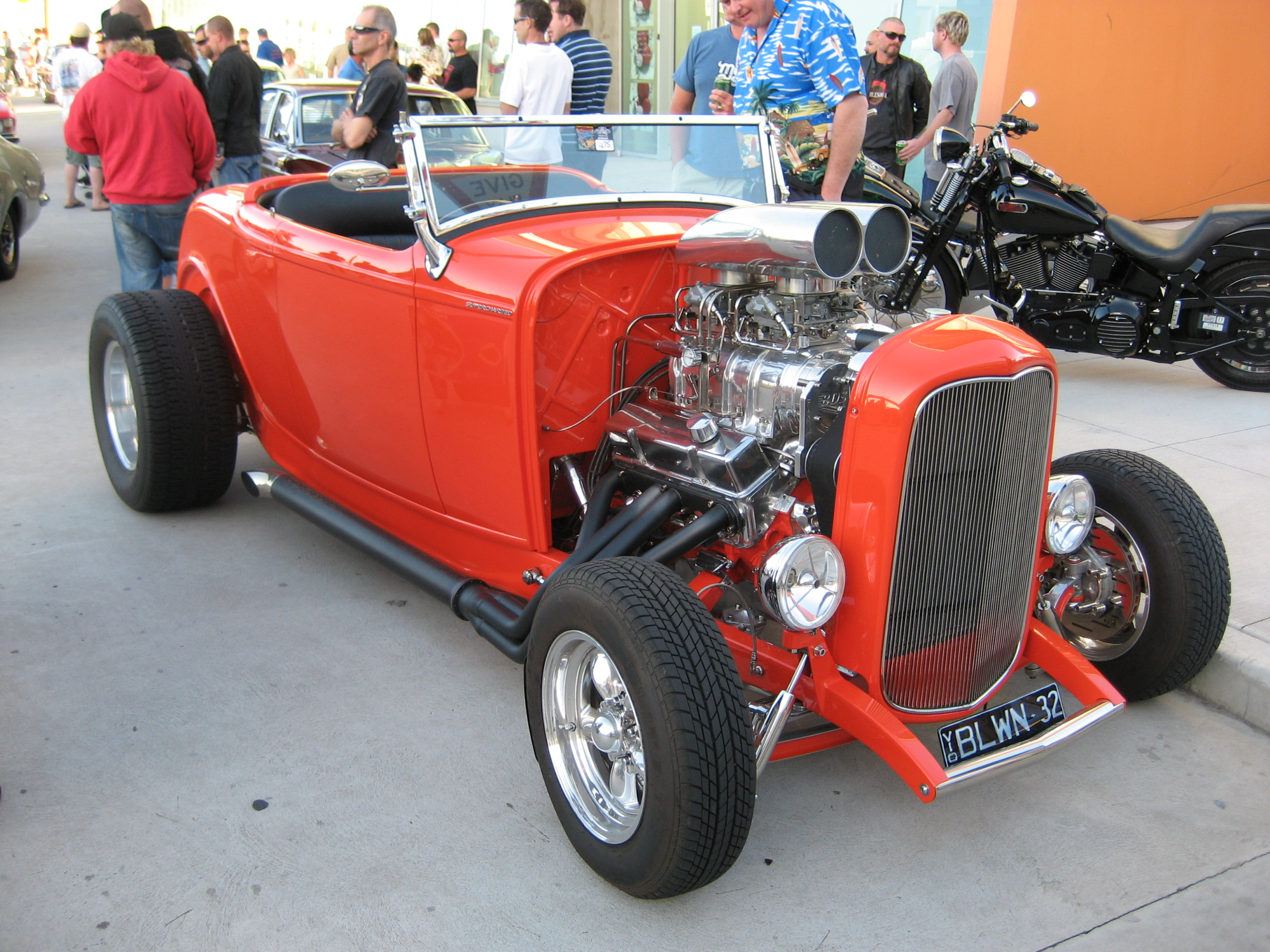 File:1932 Ford Roadster Hot Rod.jpg - Wikimedia Commons