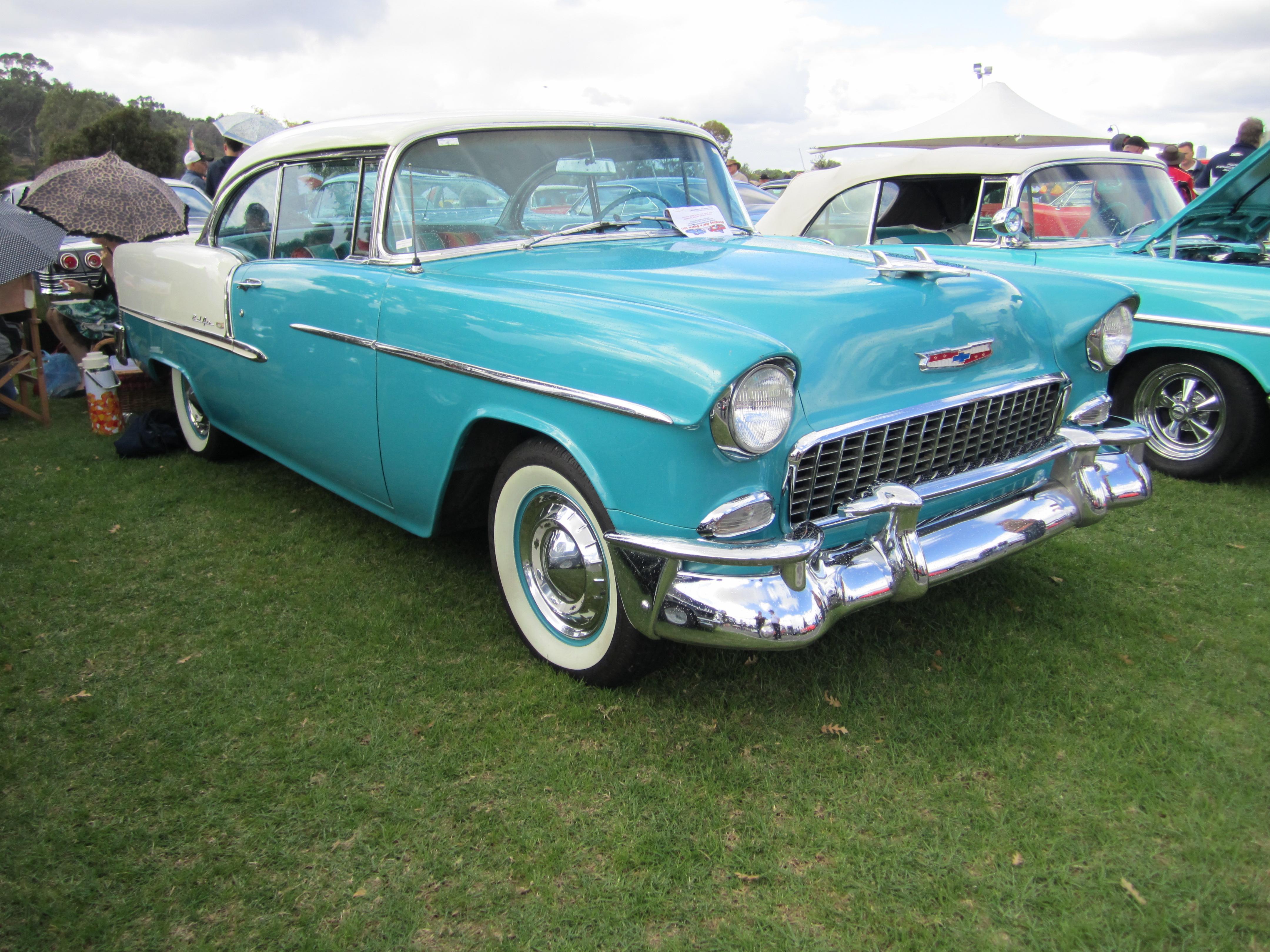 File 1955 chevrolet bel air 2 door wikimedia for 1955 chevy bel air four door