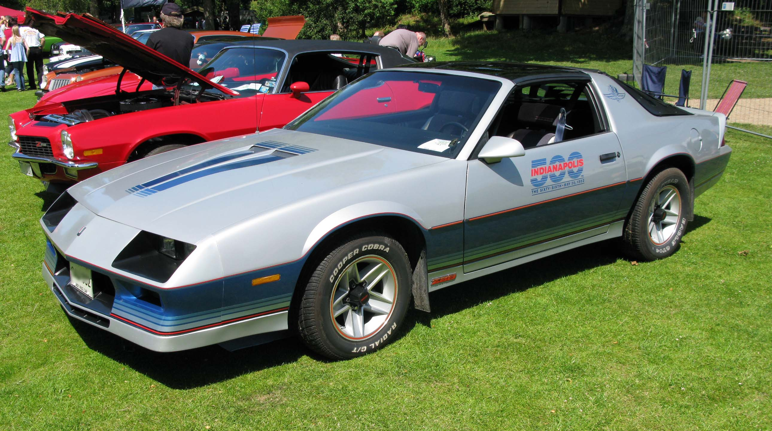file 1982 camaro z28 pace car wikimedia commons. Black Bedroom Furniture Sets. Home Design Ideas