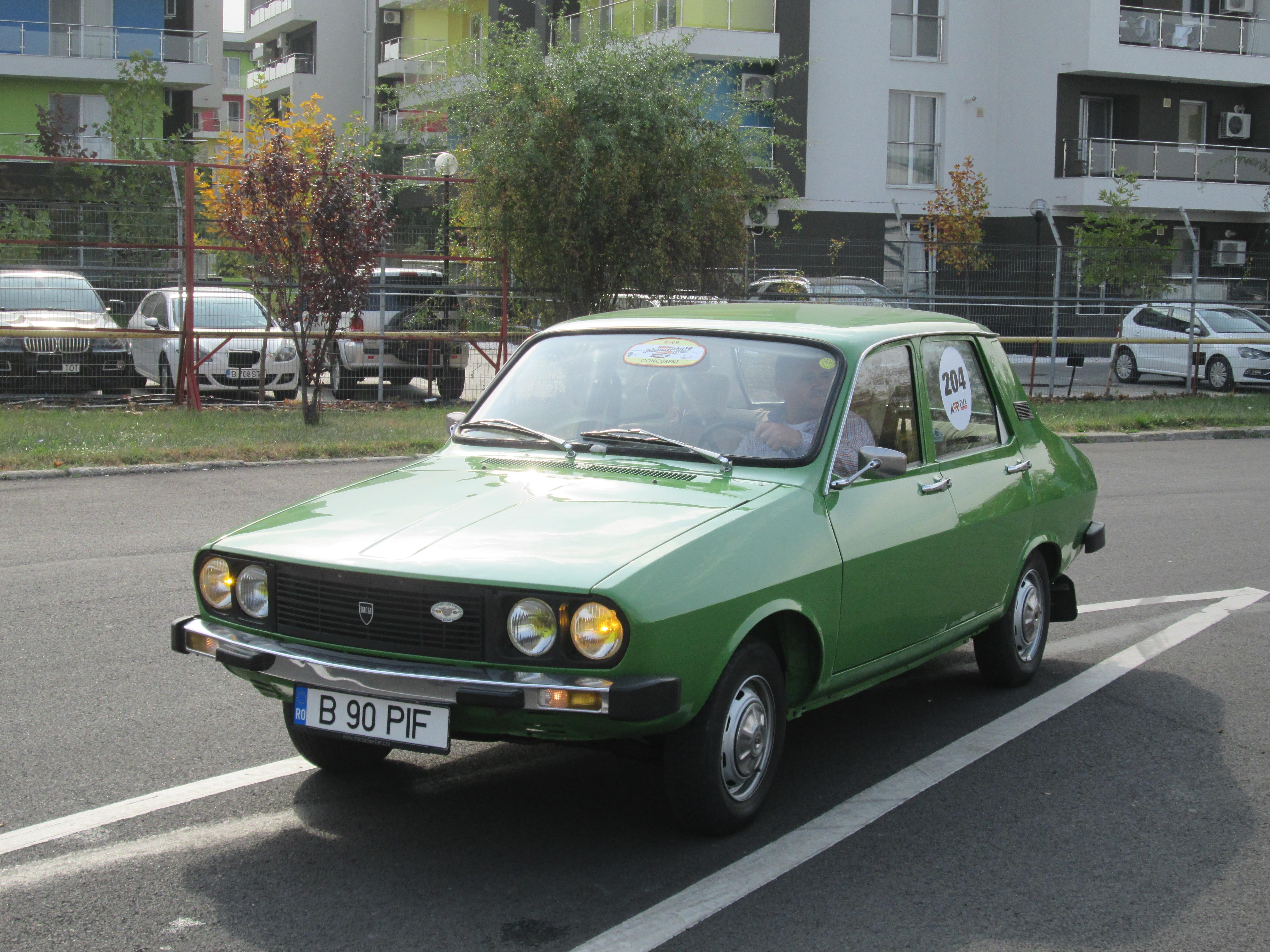 1982_Dacia_1310_(GDR_export_model)_in_Bu