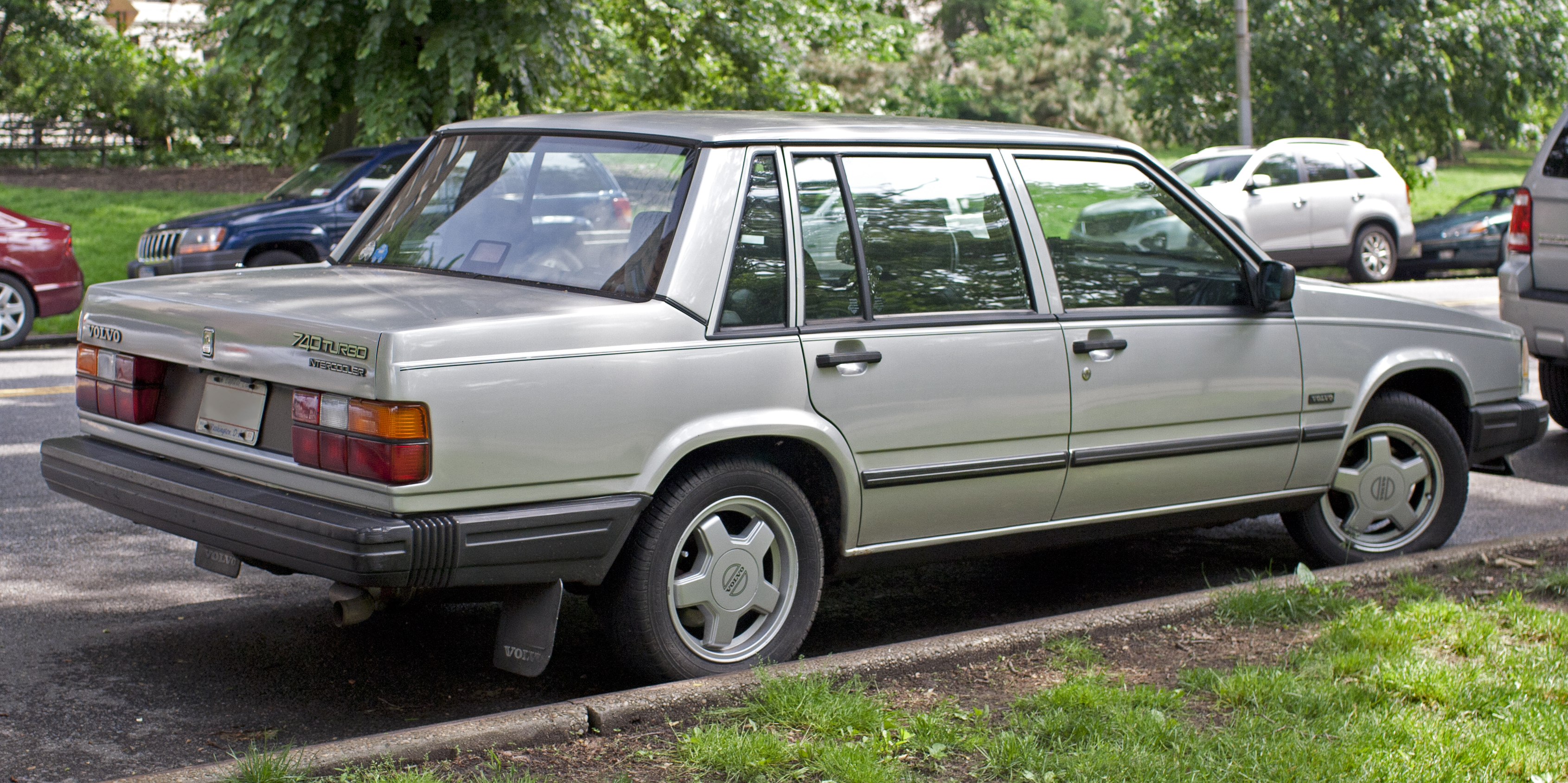 File:1987 Volvo 740 Turbo US.jpg - Wikimedia Commons