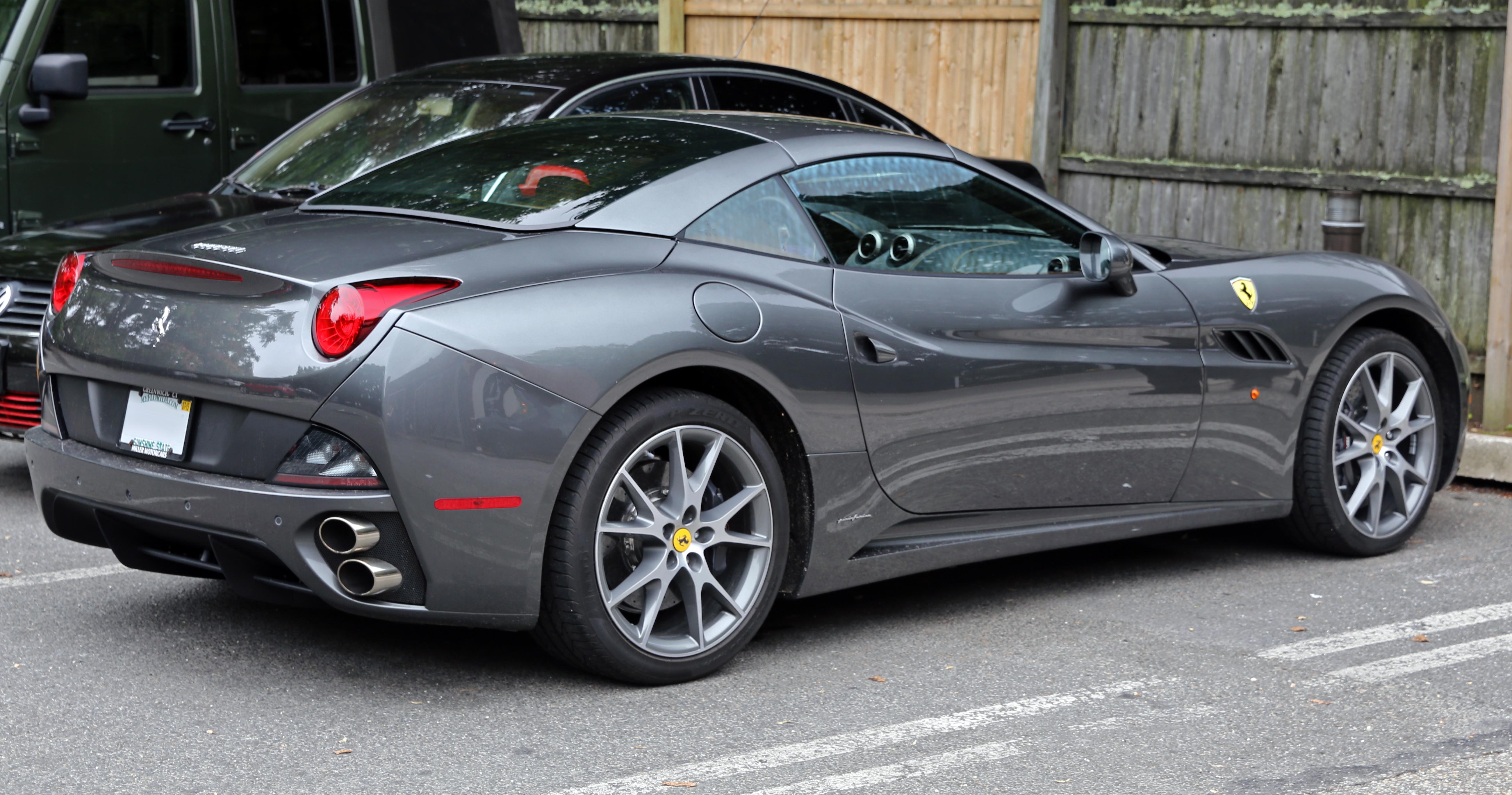 File 2014 Ferrari California Grey Rear Right Jpg Wikimedia Commons