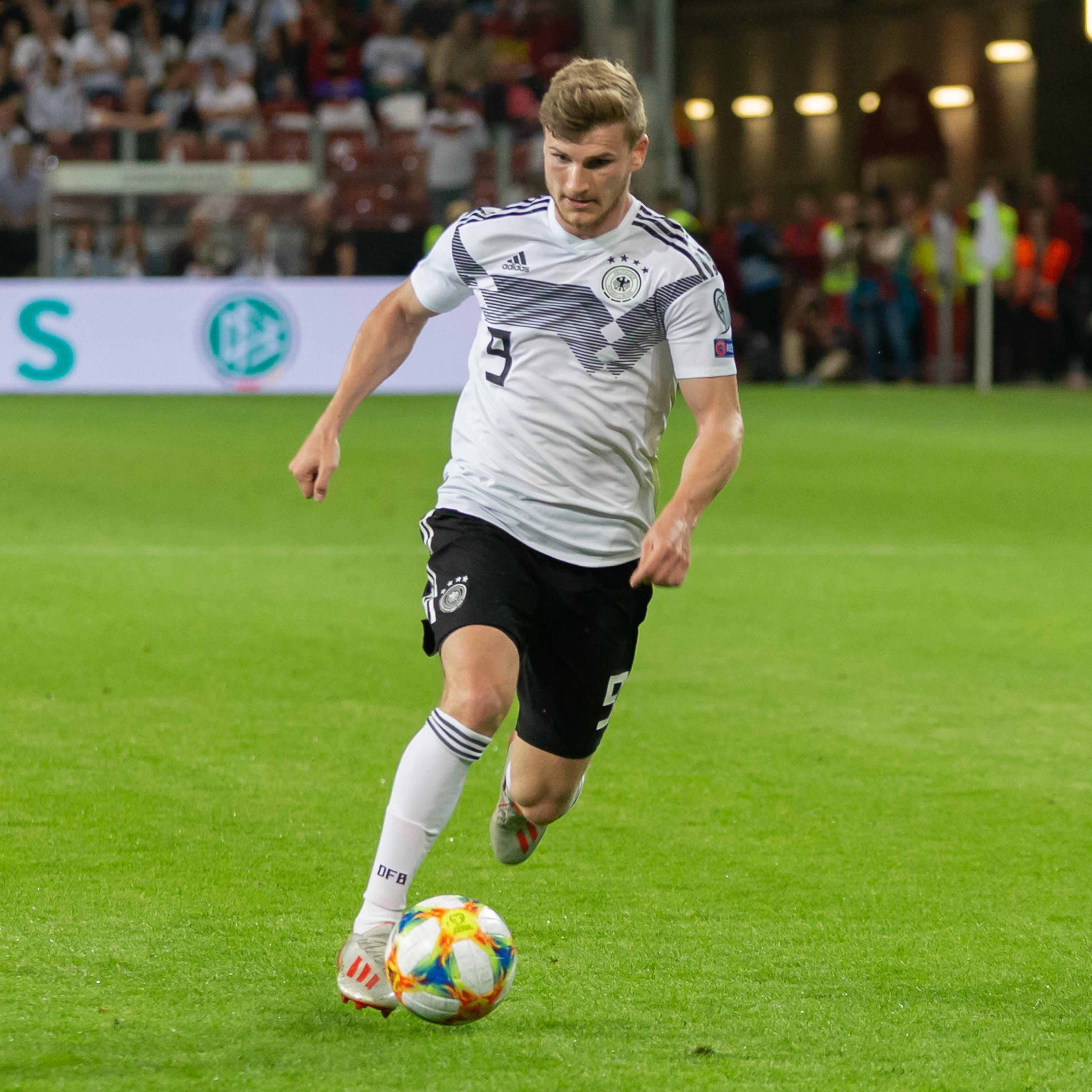 File:2019-06-11 Fußball, Männer, Länderspiel, Deutschland-Estland StP 2280 LR10 by Stepro.jpg