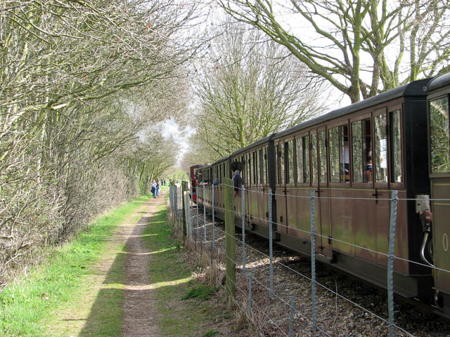 A busy day on the Bure Valley Railway - geograph.org.uk - 1236489
