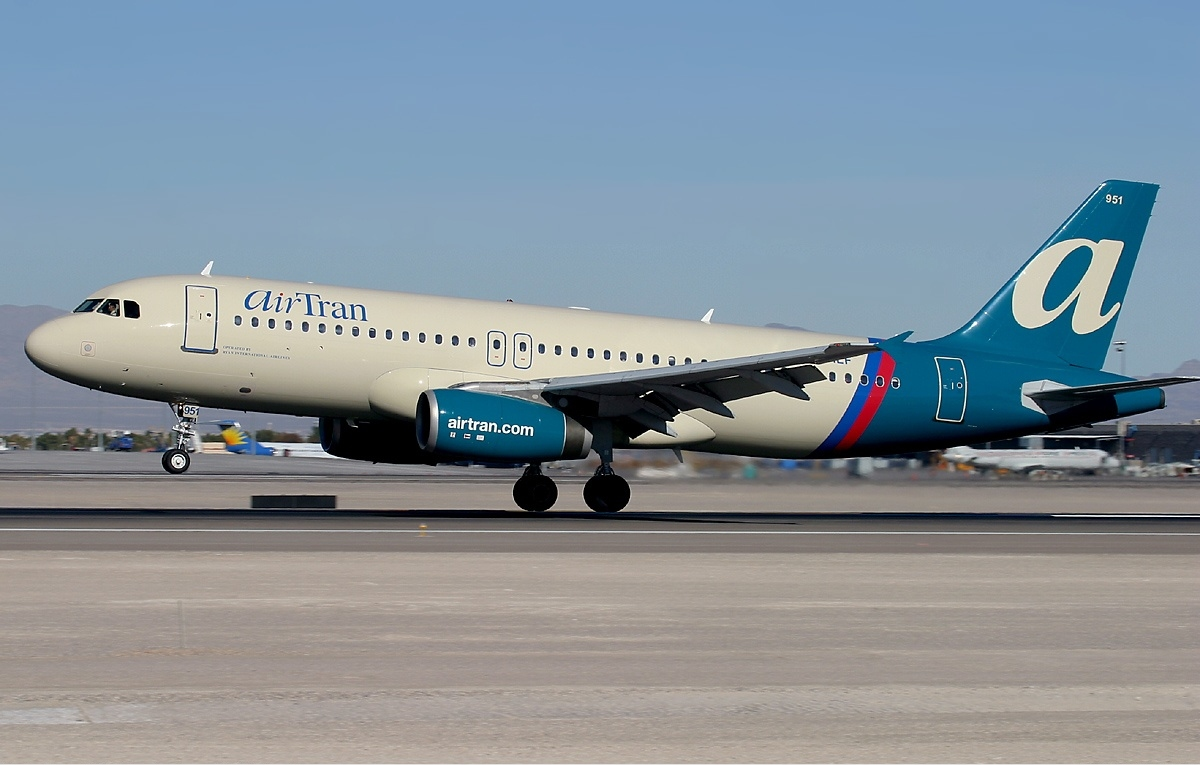 Air Tran Com 40