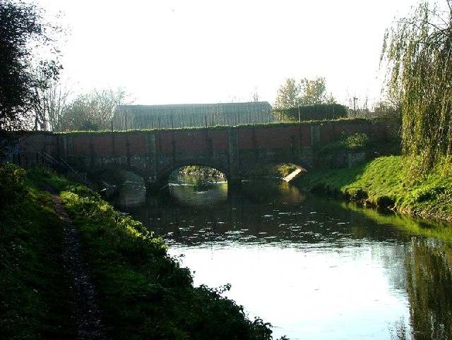Aqueduct, Retford - geograph.org.uk - 89533