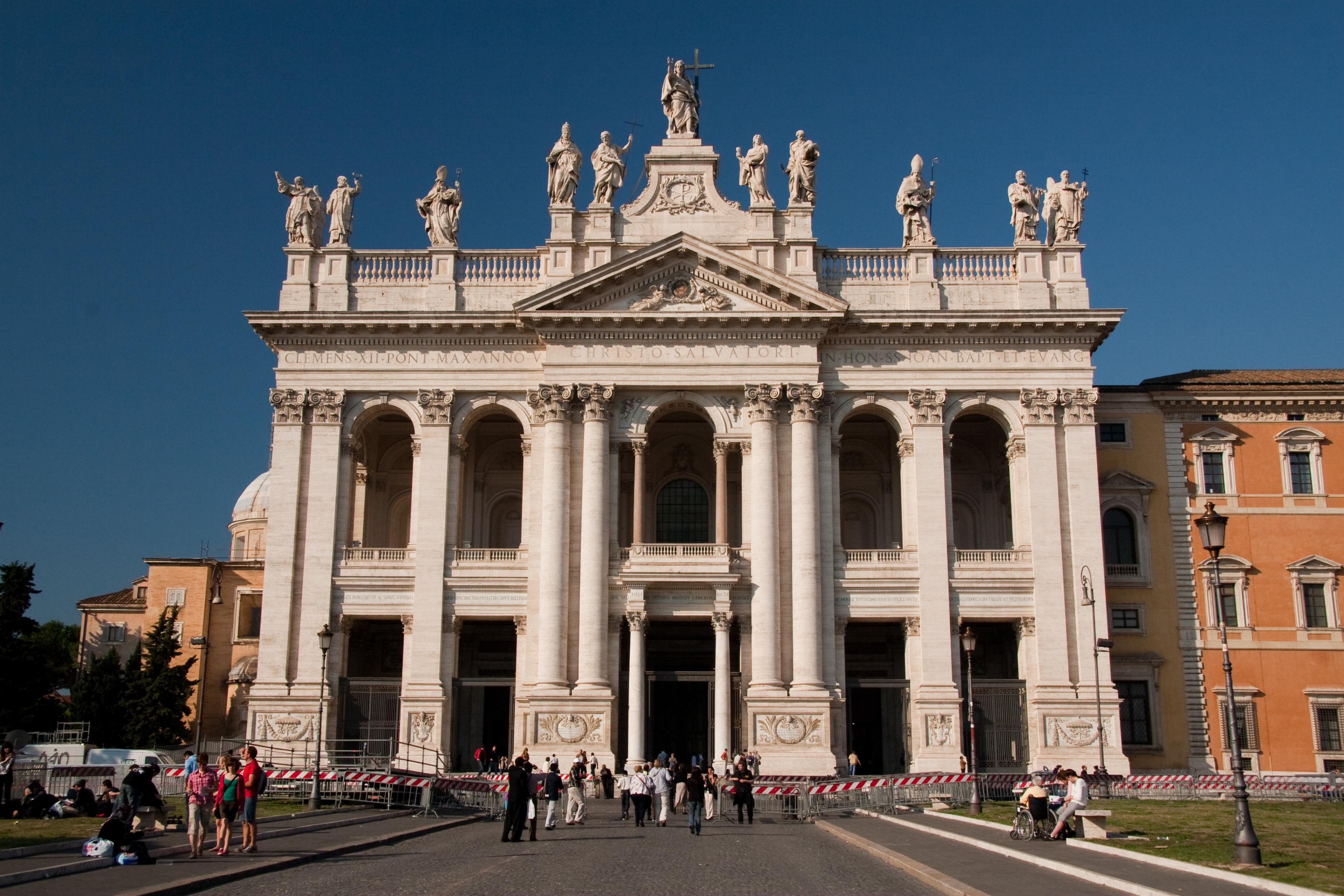 Basilica di San Giovanni in Laterano cattedrale di Roma e per questo considerata chiesa madre del mondo cattolico