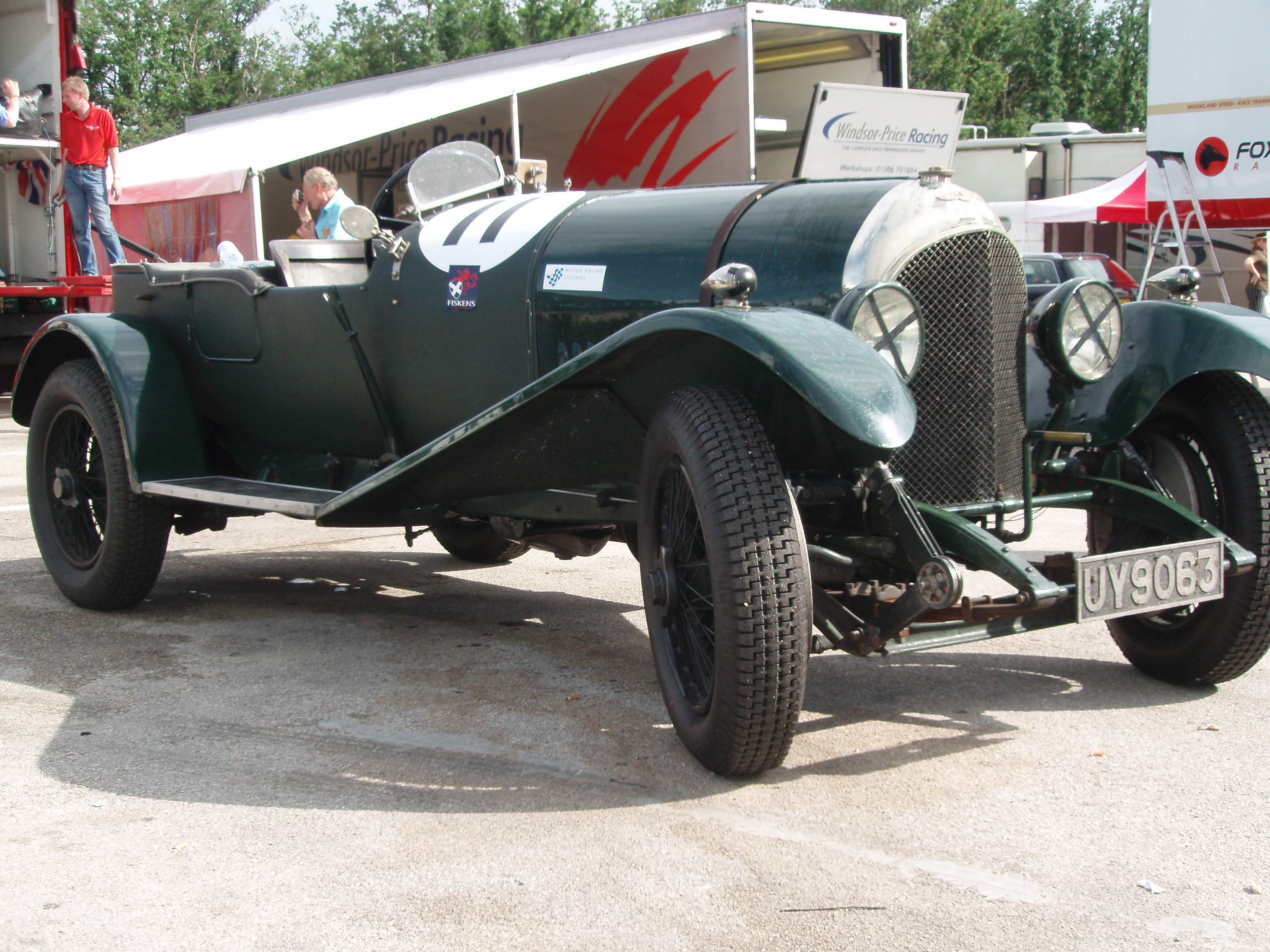 File Bentley 3 Litre Open Tourer 1925 on race car circuit