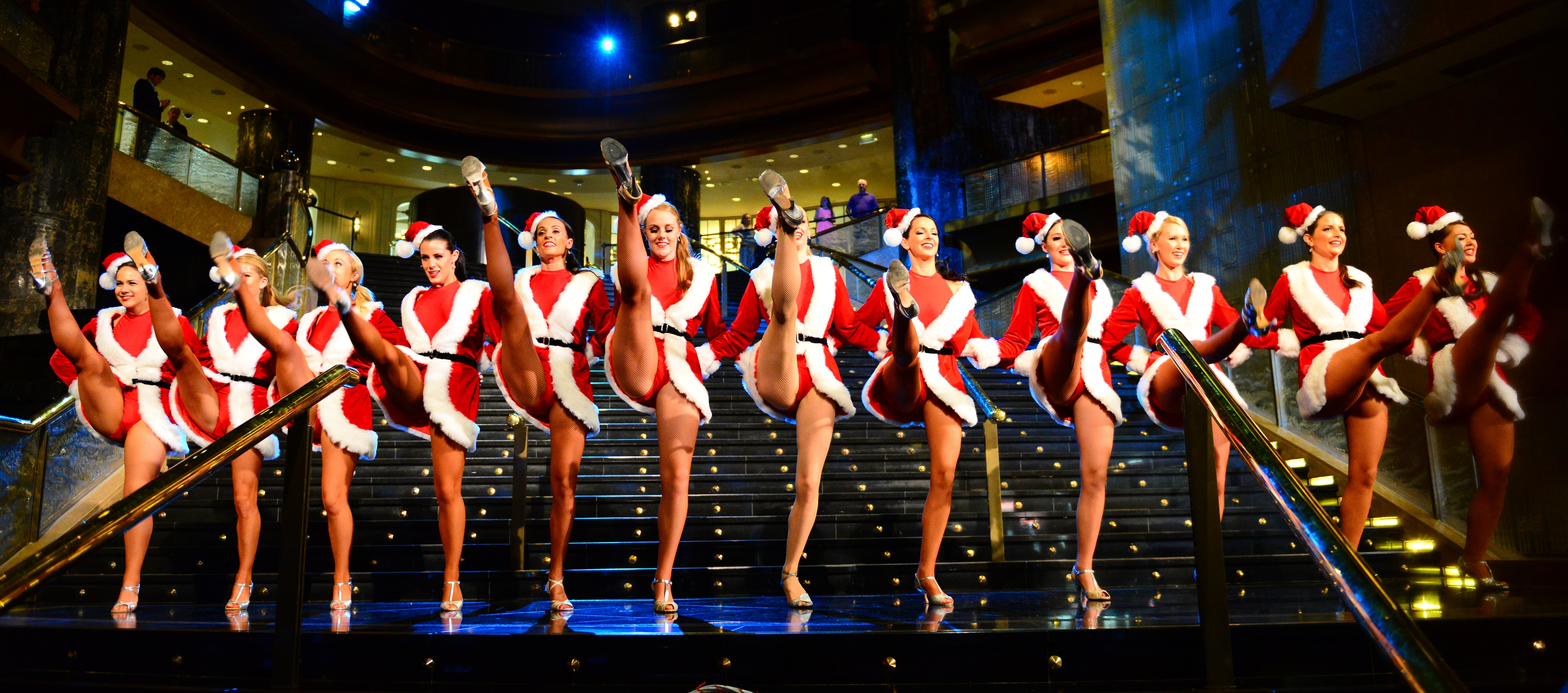 Christmas In Australia Date.File Christmas Belles At Crown 11366677816 Jpg Wikimedia