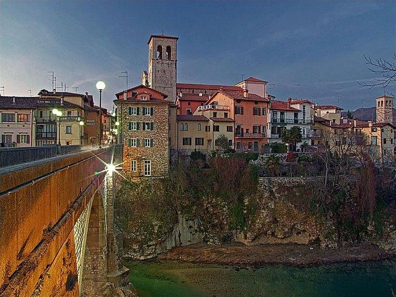 http://upload.wikimedia.org/wikipedia/commons/d/d4/Cividale_del_Friuli.jpg