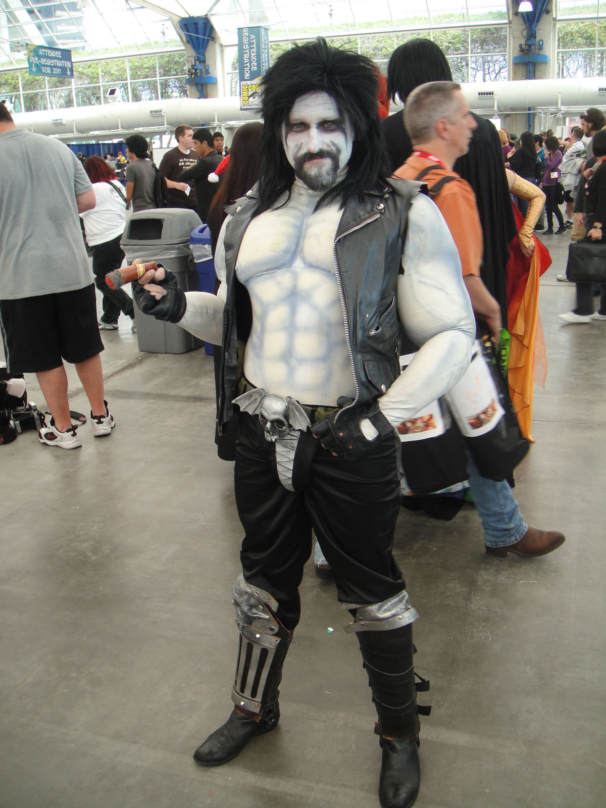File:Comic-Con 2010 - Lobo costume (4878074217).jpg ...