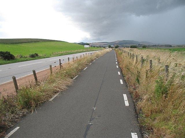 Cycle path, NCN 1 - geograph.org.uk - 1442063