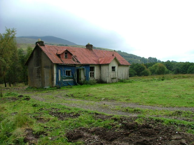 File:Dilapidated house at Murlaggan - geograph.org.uk - 969611.jpg