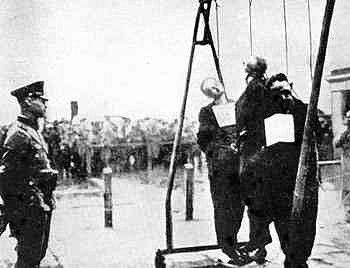 German public execution of Polish civilians, Lodz, The Black Book of Poland, published in London in 1942 by Polish government-in-exile. Egzekucja-lodz.jpg
