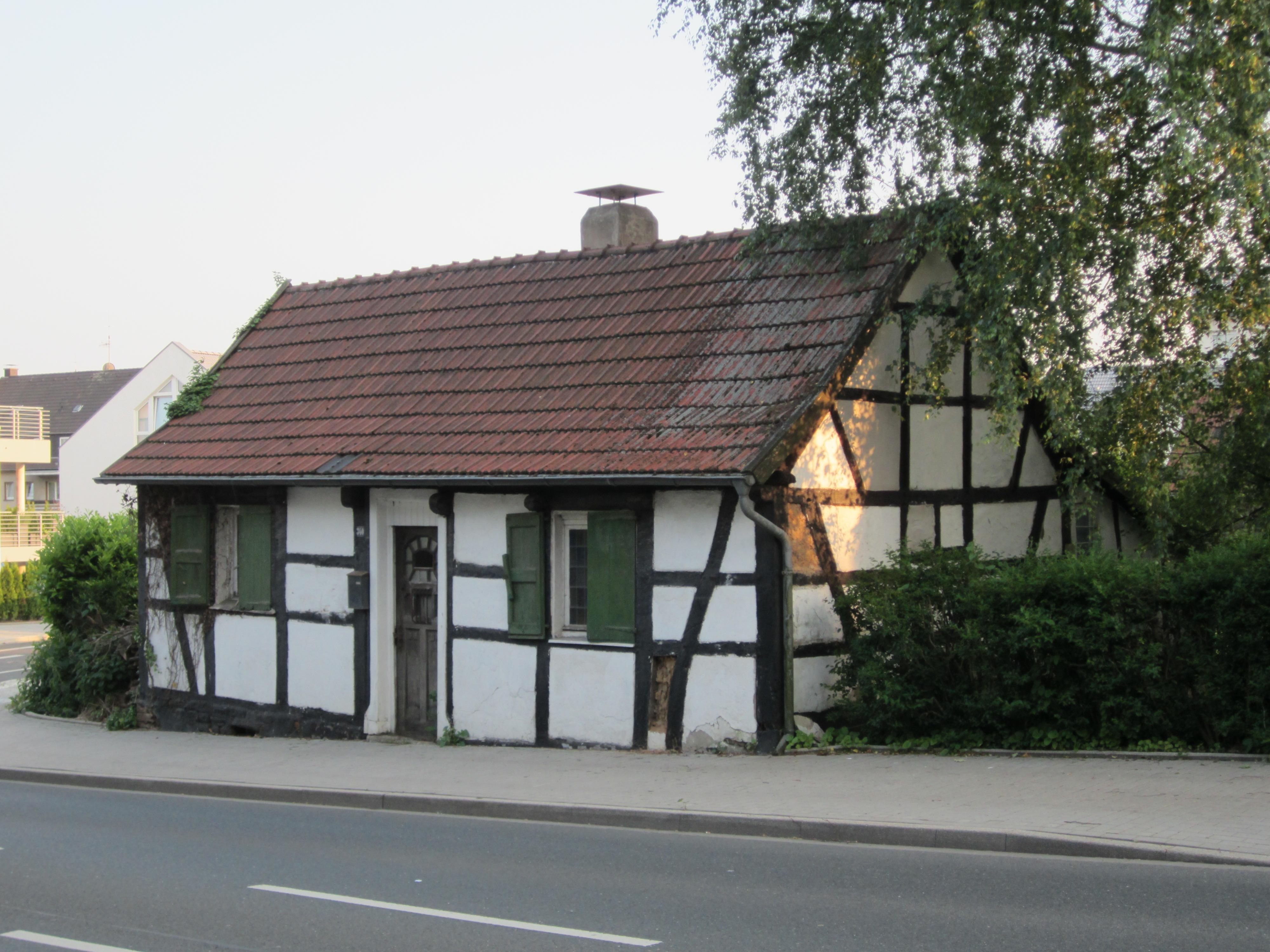 File:Essen-Heisingen Heisinger Strasse 340.jpg - Wikimedia ...