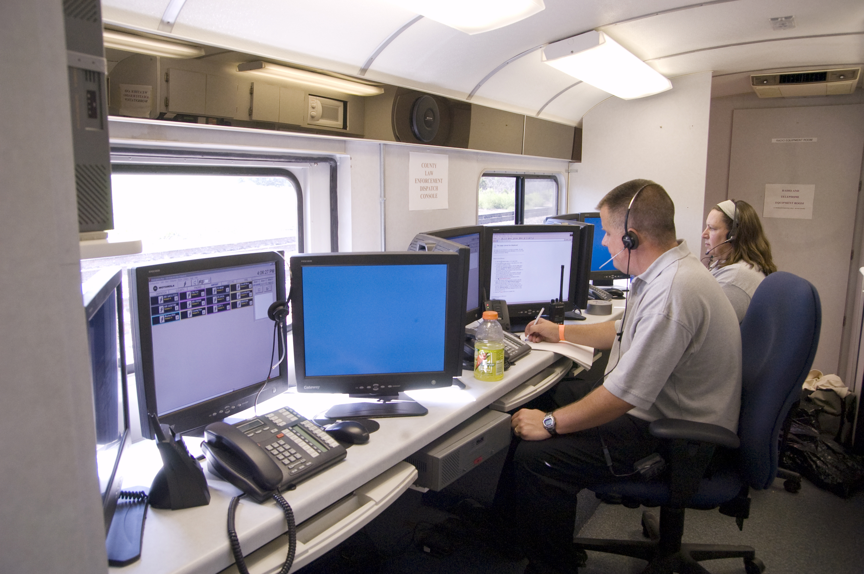 File Fema 31884 La Crosse Incident Command Center Interior And Workers Jpg