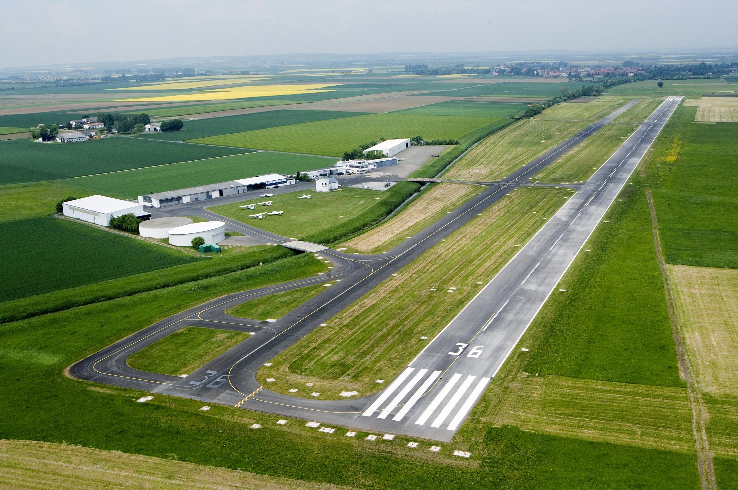 Flugplatz Reichelsheim - Wikipedia
