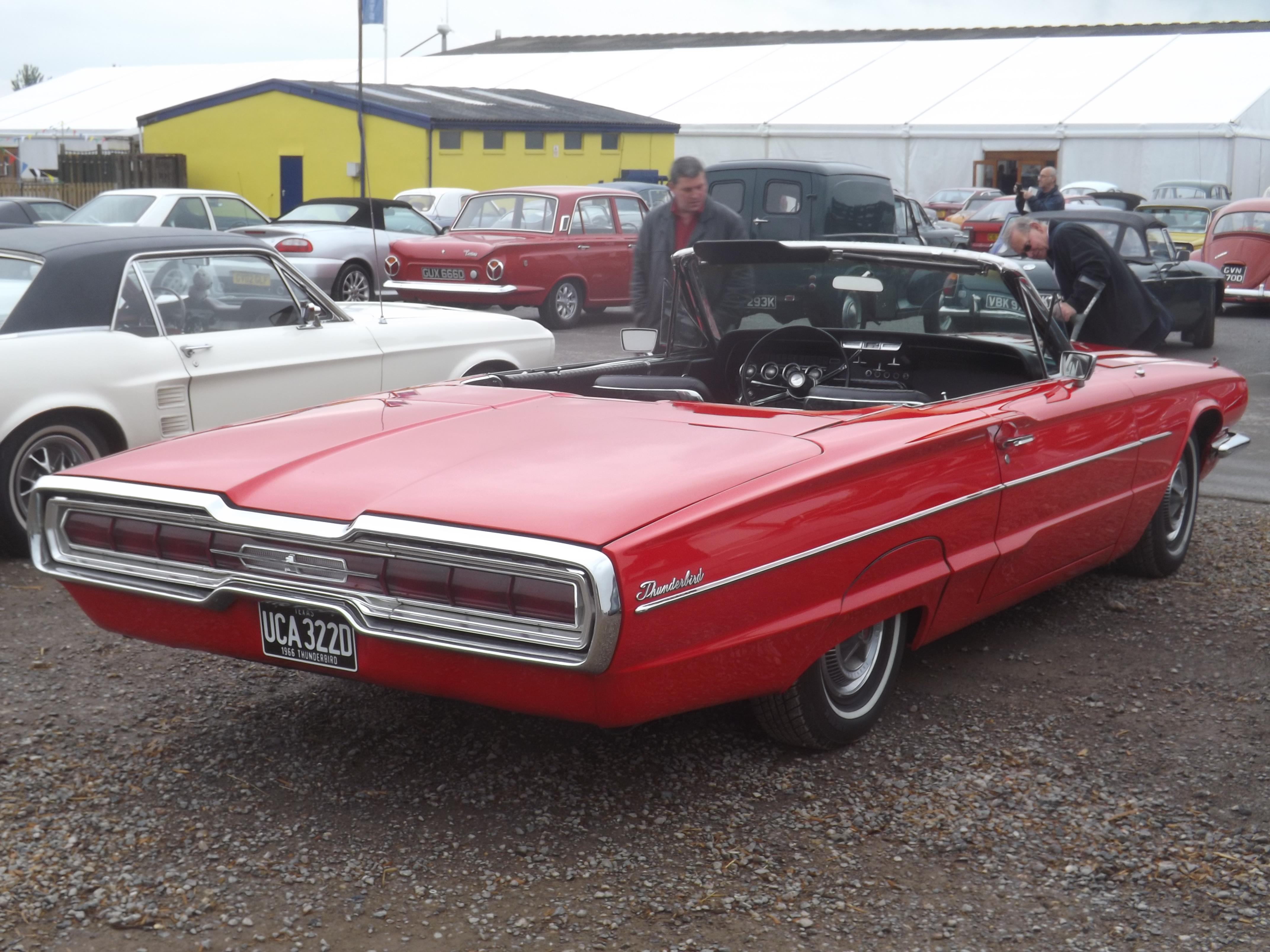 File Ford Thunderbird 1964 66 Wikimedia mons