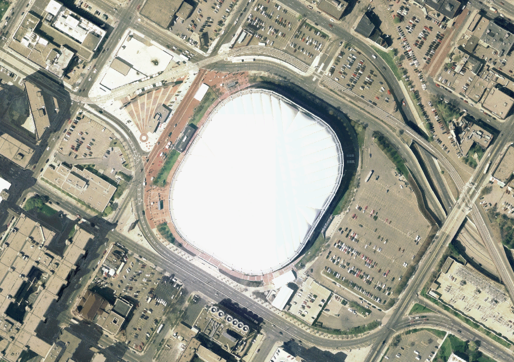 https://upload.wikimedia.org/wikipedia/commons/d/d4/Huberth_Metrodome_satellite_view.png