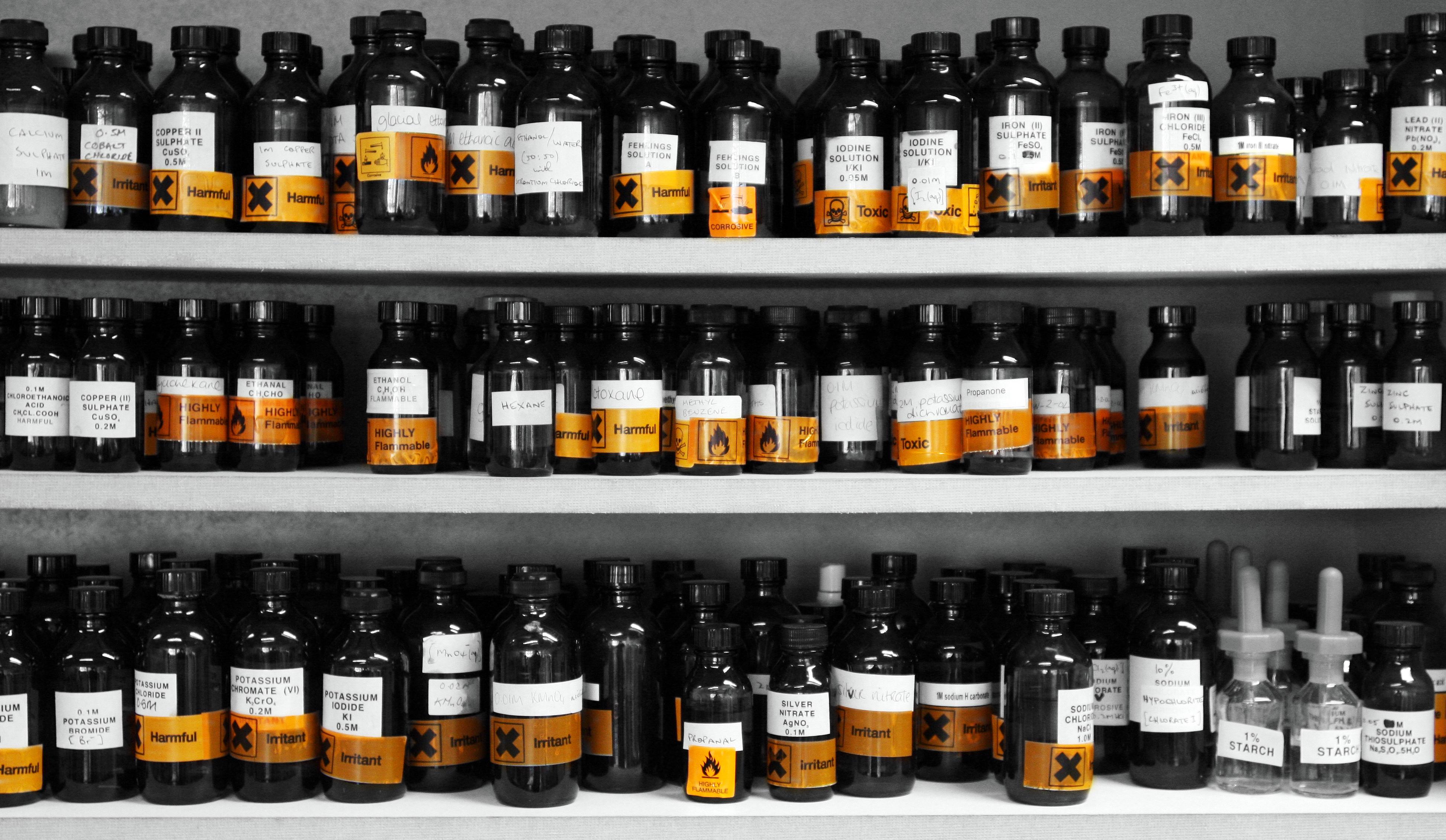 File:I Heart Small Bottles of Chemicals 4890752060.jpg