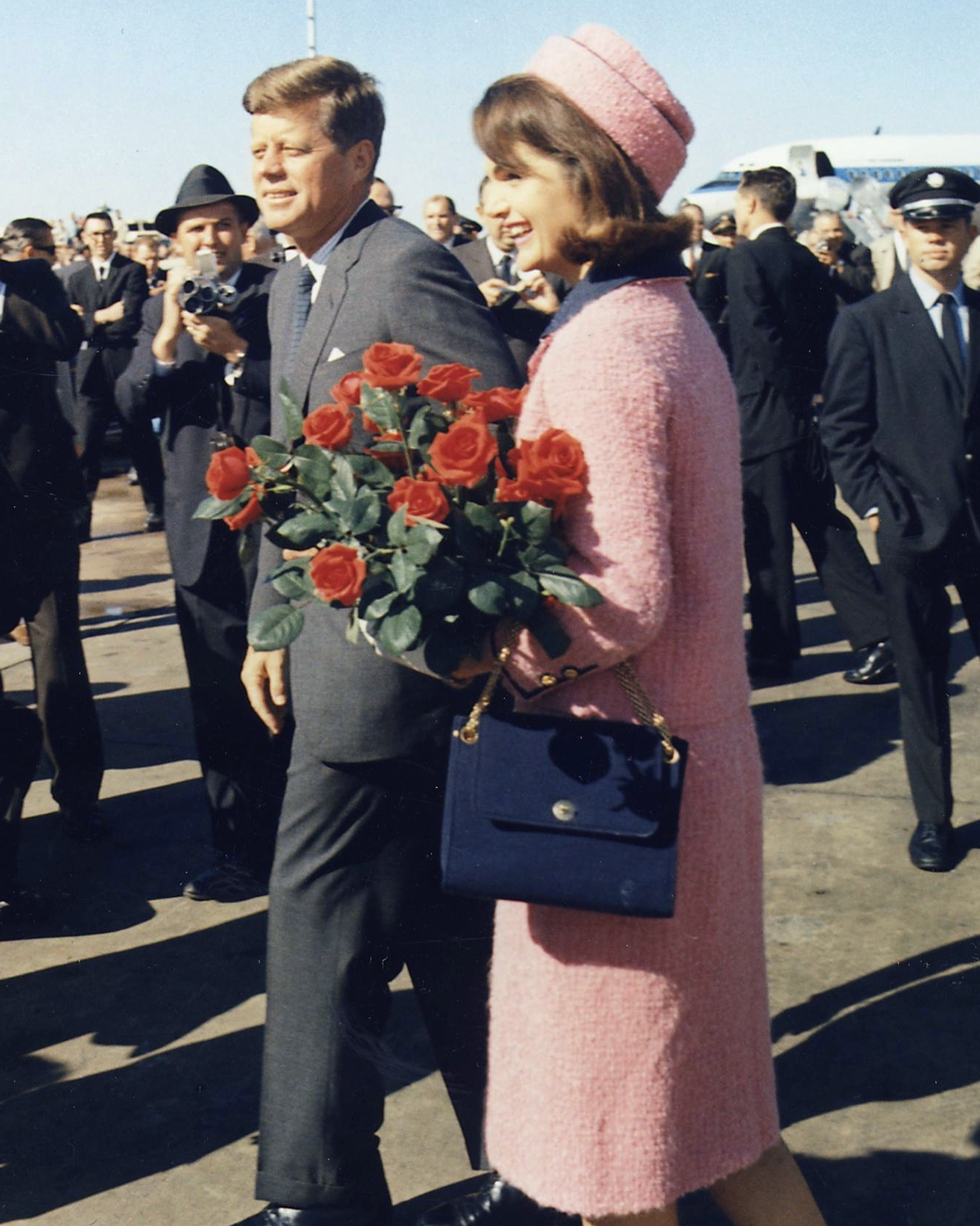 1a461137993 Pink Chanel suit of Jacqueline Bouvier Kennedy. Kennedys arrive at Dallas  11-22-63 (Cropped).jpg
