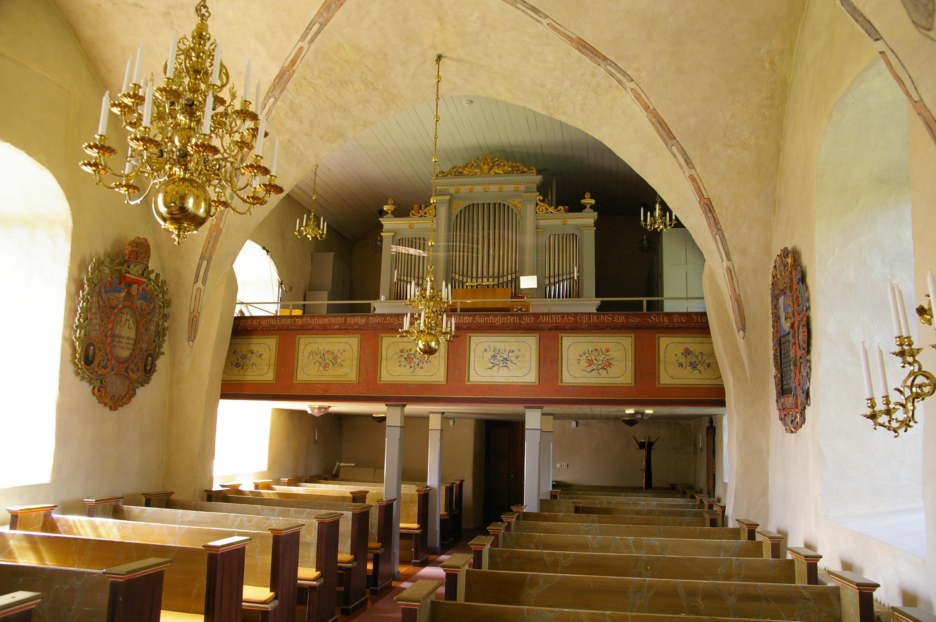 Fil:Kinneveds kyrka Vstergtland Sweden satisfaction-survey.net Wikipedia