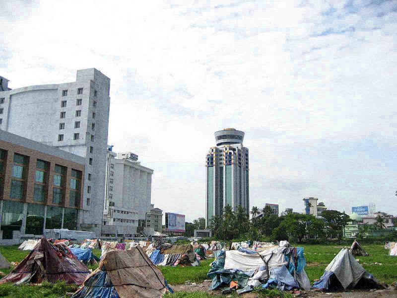 File:Kochi India slums.jpg