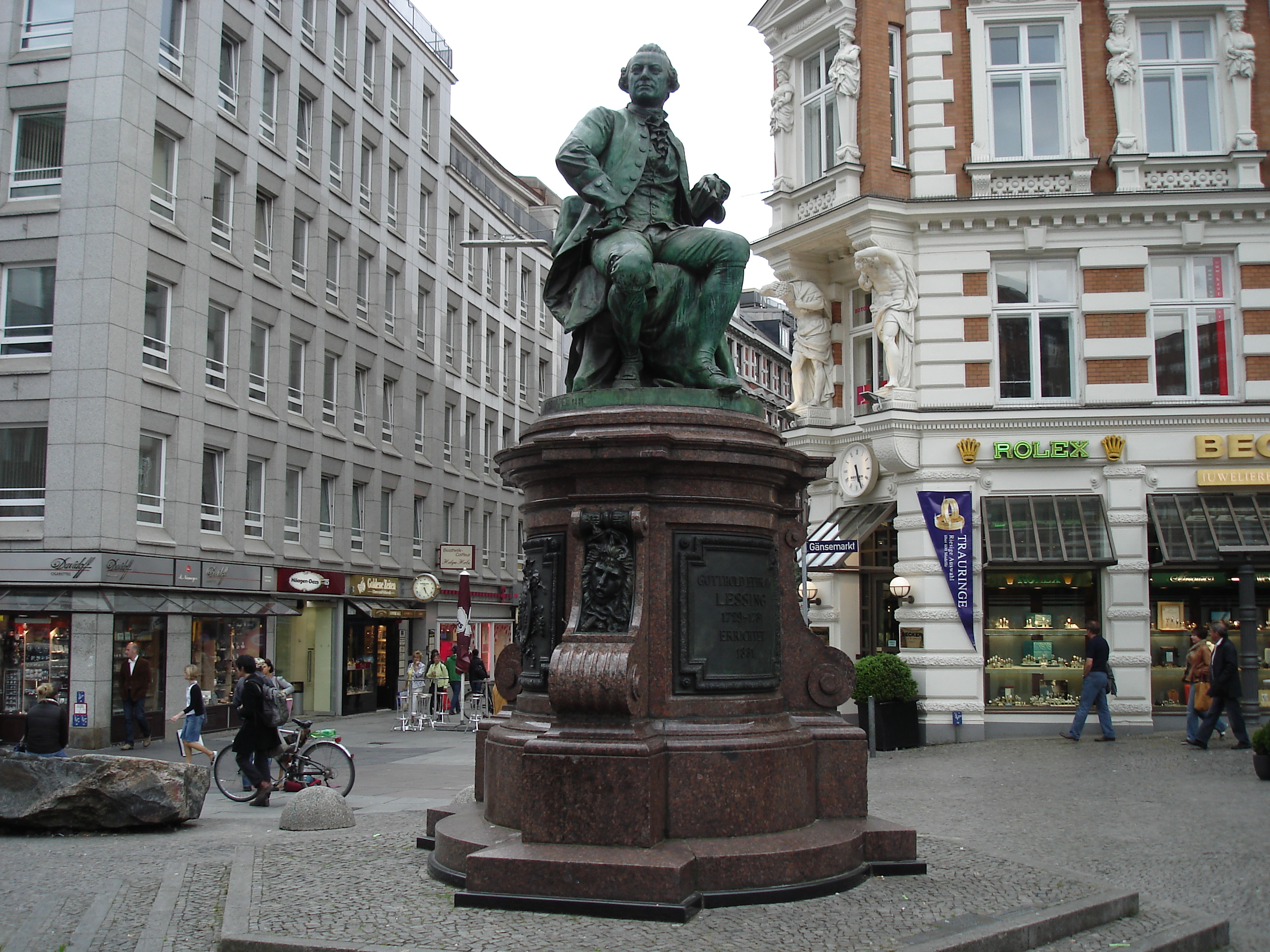File Lessing Denkmal Hamburg 3 Wikimedia Mons